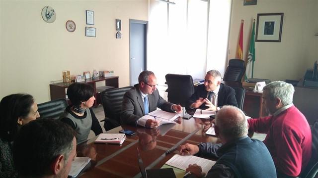 El delegado de Igualdad destaca el trabajo de la Junta por la integración y normalización de los menores tutelados