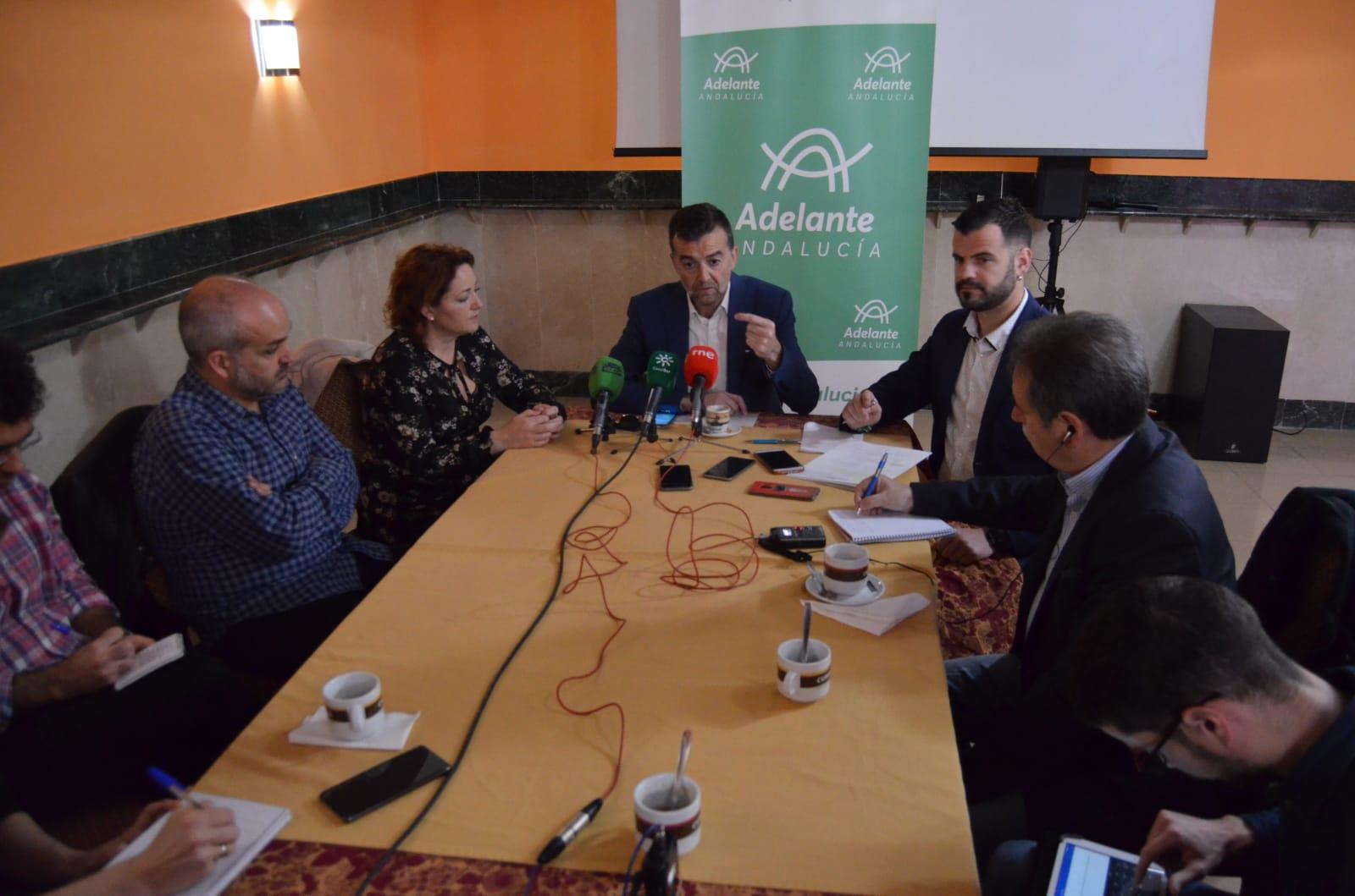Adelante Andalucía presenta en Granada su modelo de «ciudad compacta y sostenible» contra la contaminación