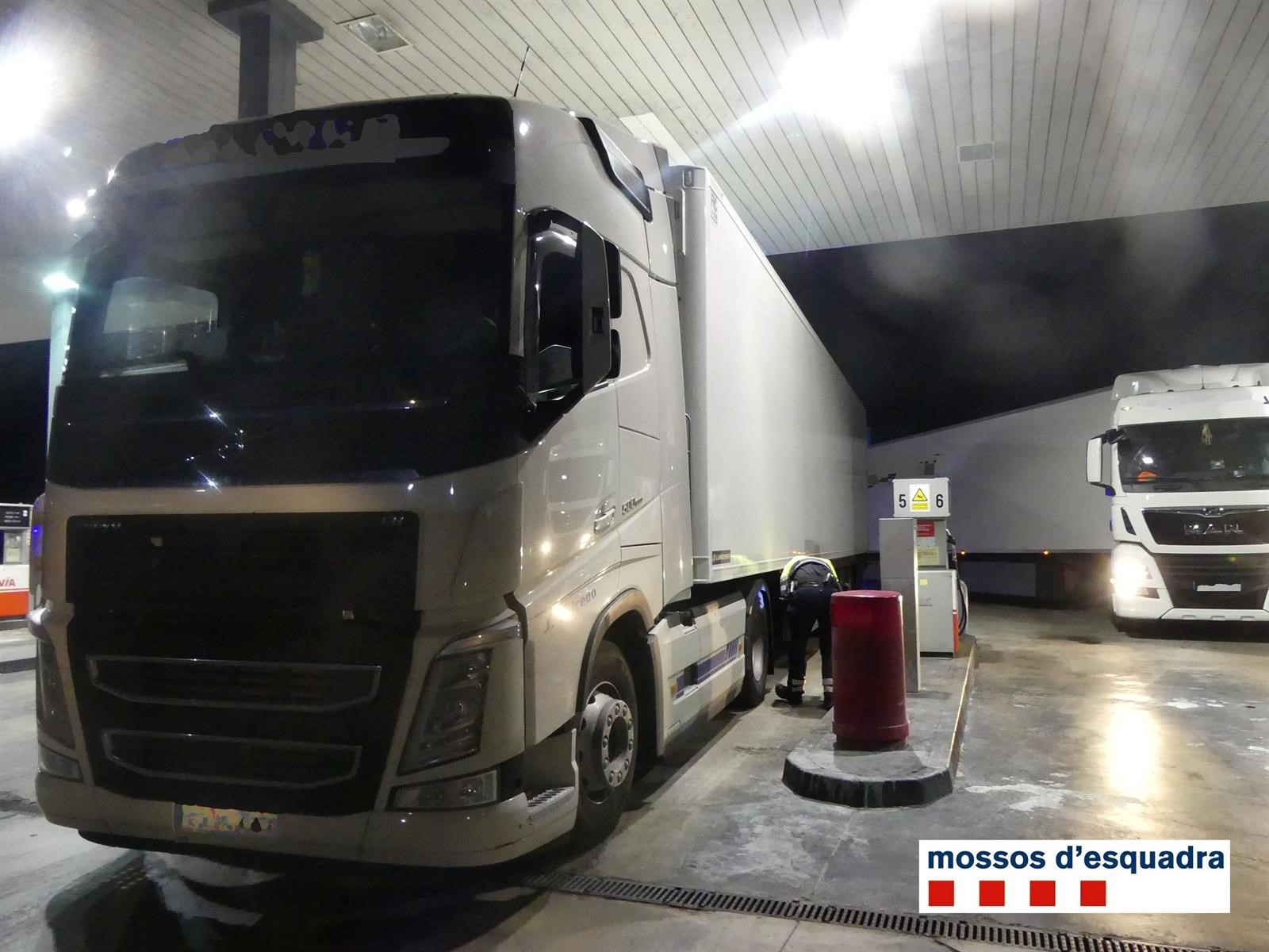Detenido en Girona un camionero de Motril por sextuplicar la alcoholemia y atropellar a su compañero
