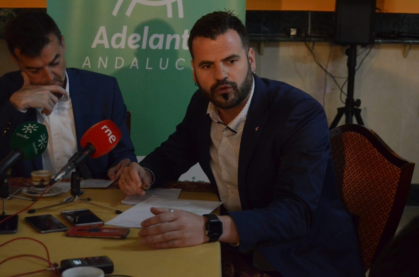 Adelante cambia a su representante en la Mesa del Parlamento y elige al granadino Jesús Fernández