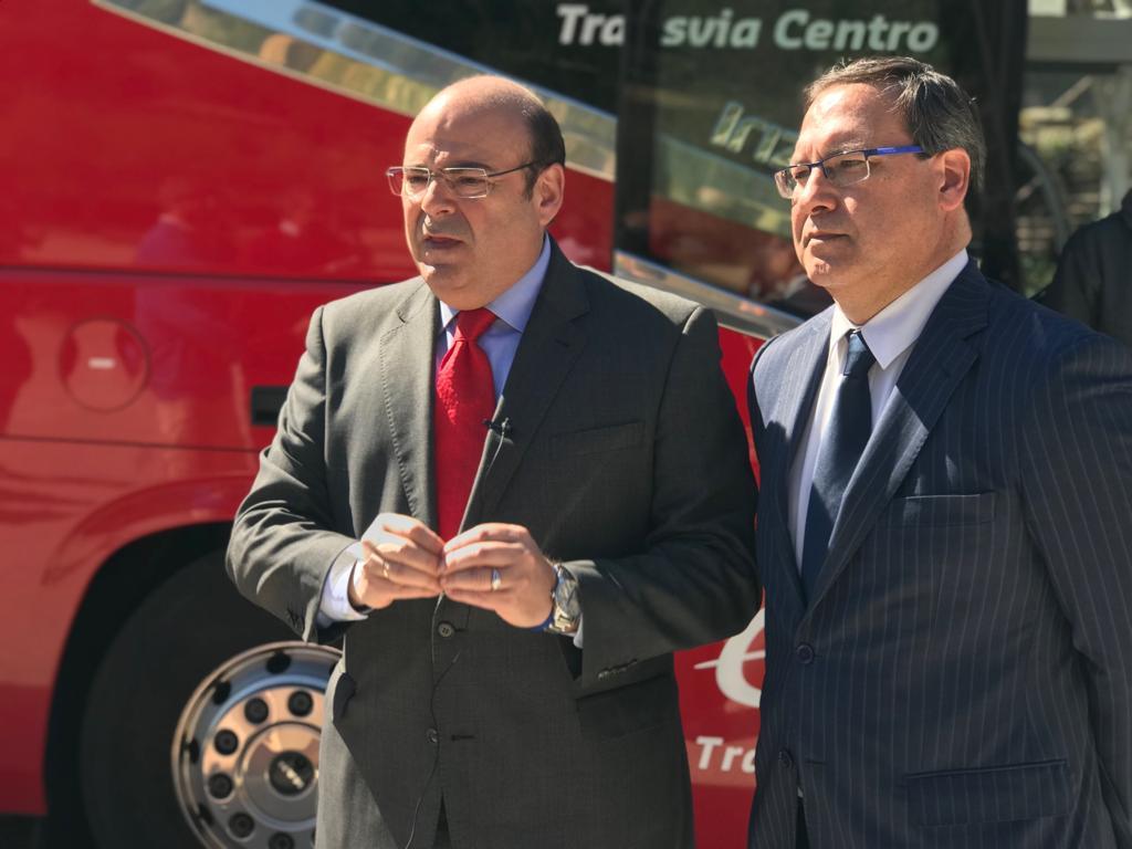 Sebastián Pérez presenta la lista con la que intentará devolver al PP el control de la Plaza del Carmen
