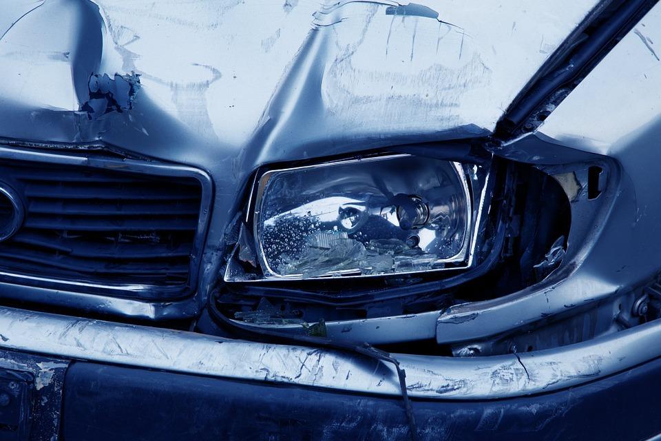 Heridas nueve personas en dos accidentes de tráfico en Granada y Ogíjares
