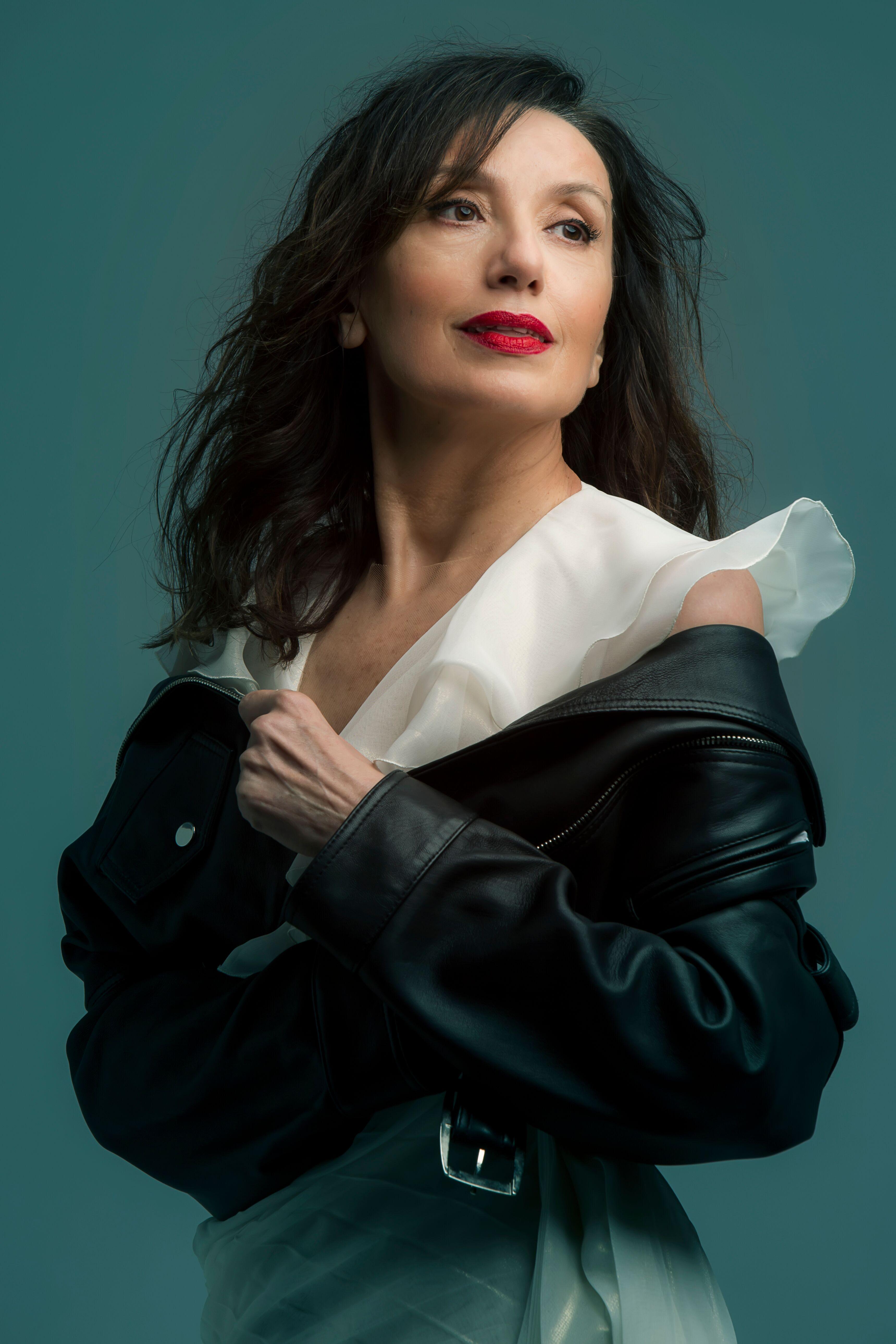 Luz Casal visita Granada para presentar disco