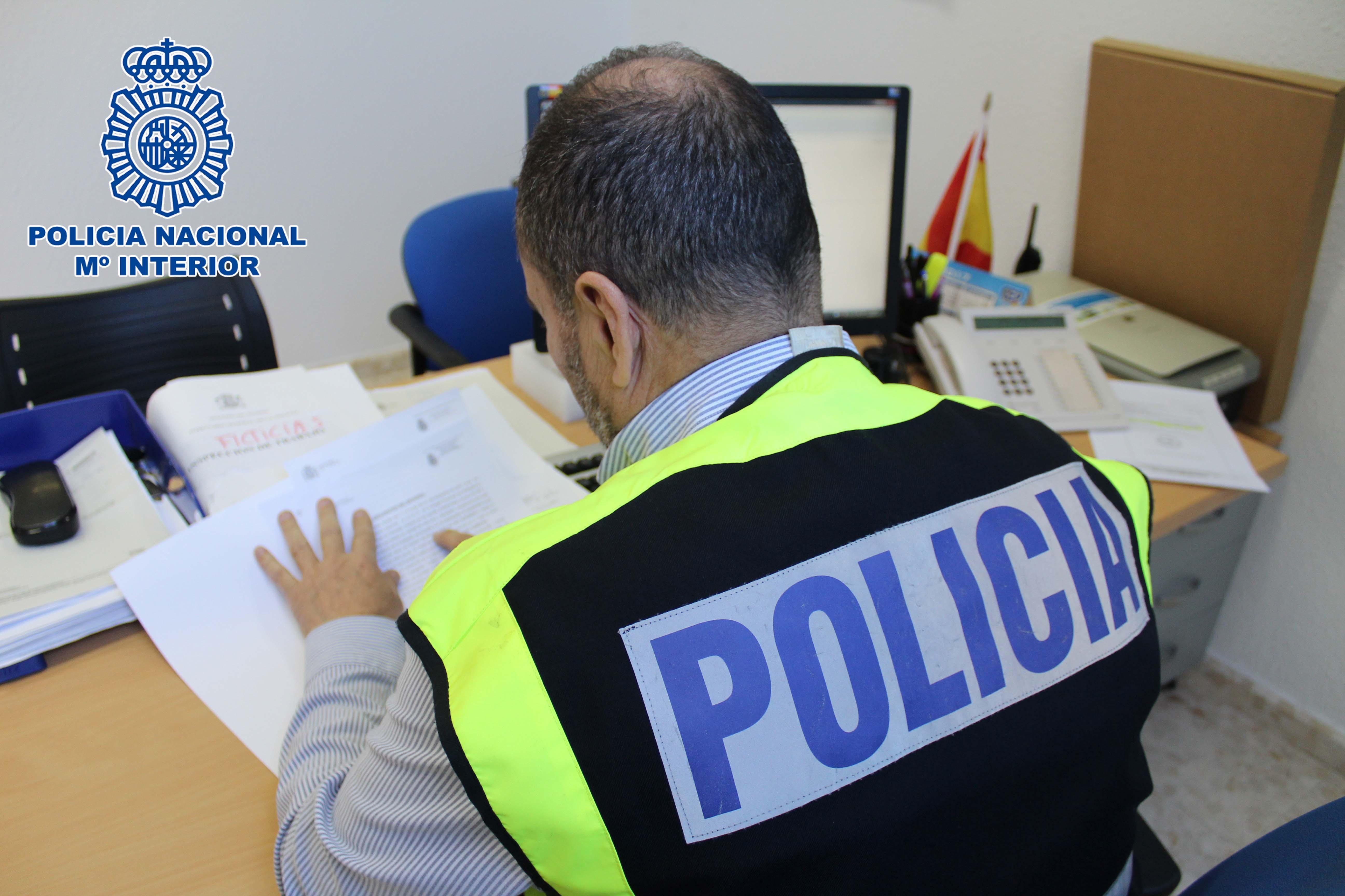 La Policía Nacional detiene a un individuo por la sustracción de un teléfono móvil del interior de la taquilla de un gimnasio