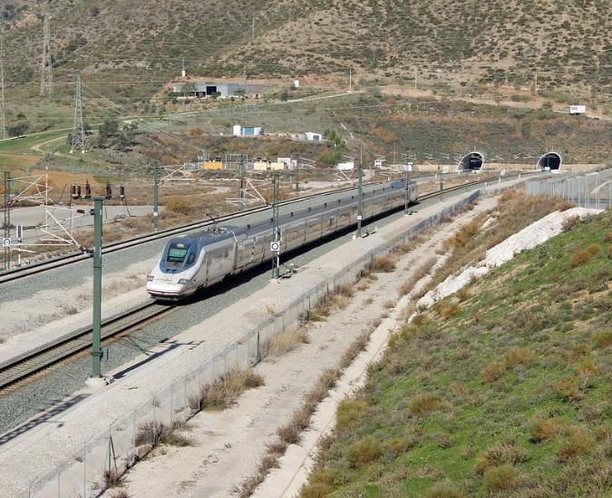 El PP defenderá en pleno de Diputación la ampliación de los horarios de las paradas de los AVE en Loja