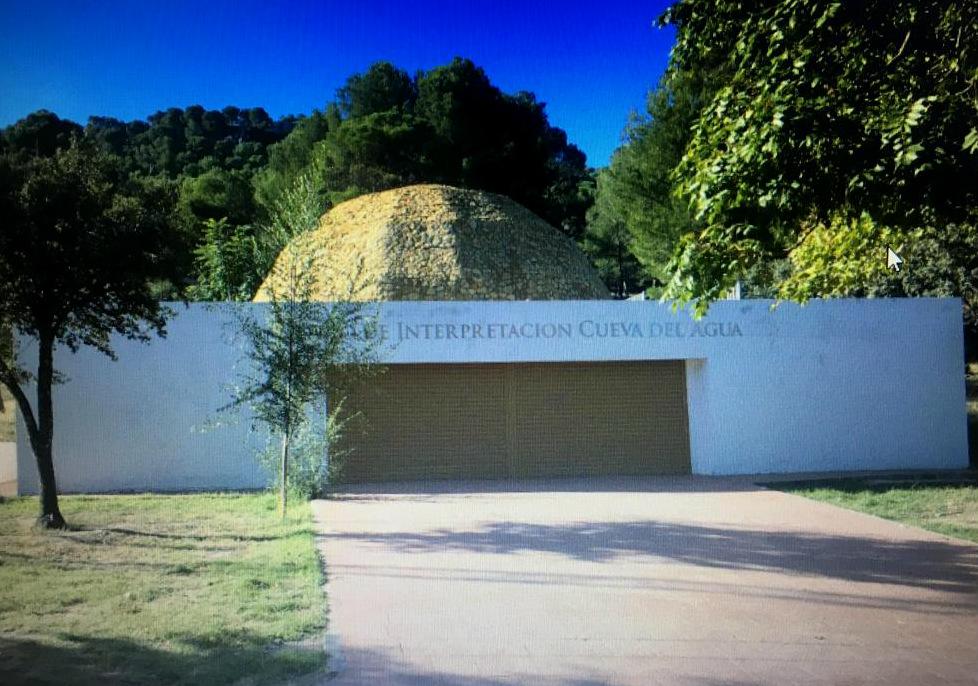 Ciudadanos reivindica la regularización de la situación de la Cueva del Agua de Iznalloz y de su Centro de Interpretación