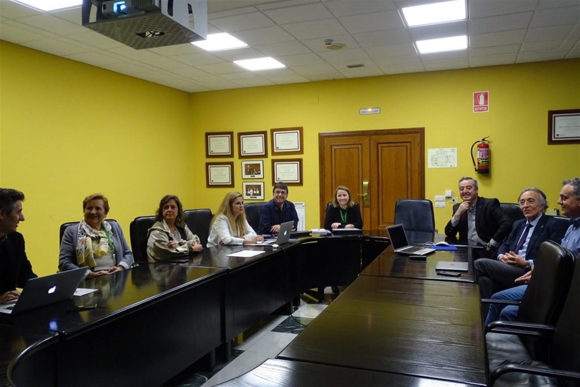 El Parlamento pide por unanimidad a la Junta que mantenga la sede de la Escuela de Salud Pública en Granada