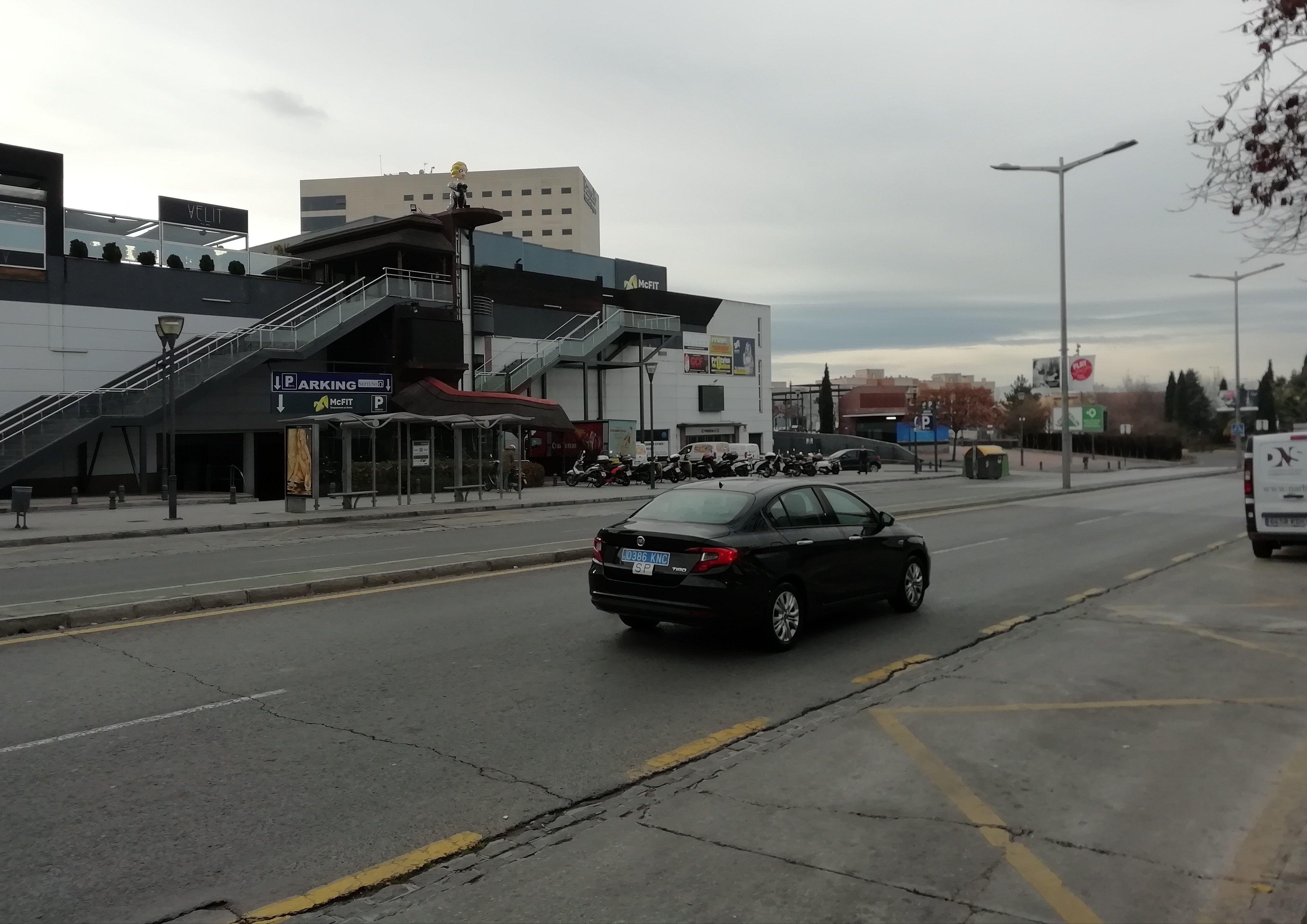 El juez amplía las medidas cautelares que impiden al Ayuntamiento limitar los accesos de coches VTC