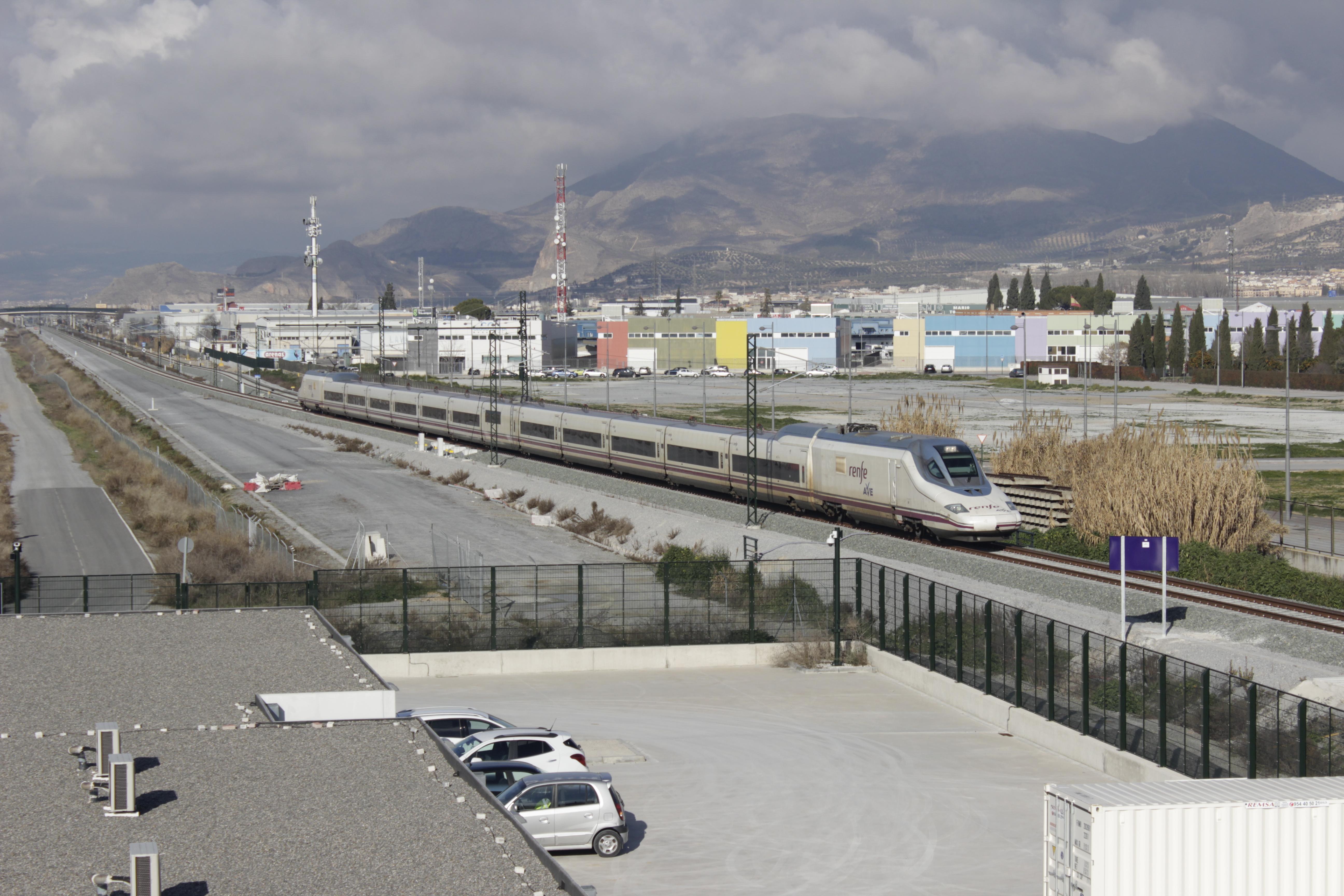 El cierre de la línea ferroviaria Granada – Bobadilla se prolongará mínimo hasta agosto