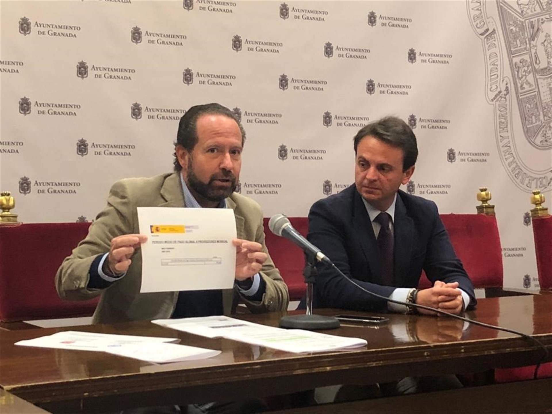 El PP alerta de que el Ayuntamiento está «al borde de la intervención» por la gestión económica del PSOE