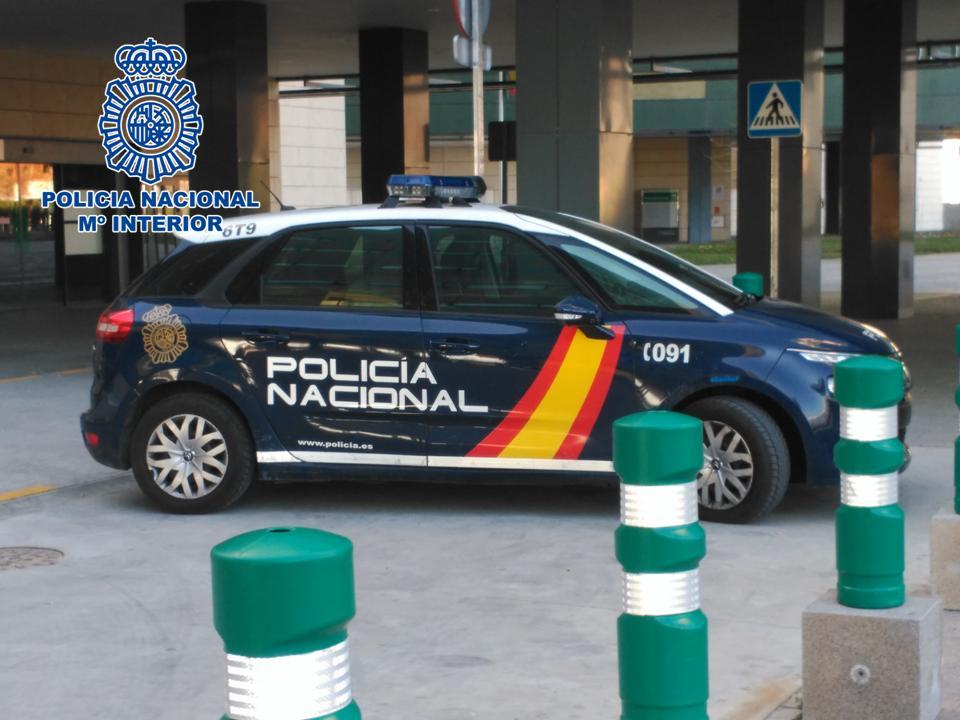 Dos detenidos tras apuñalar mortalmente a un hombre en calle Elvira