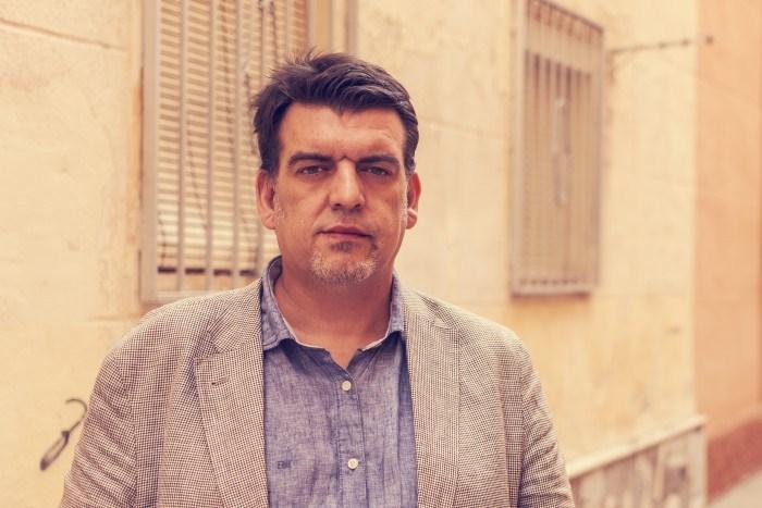 Alfonso Salazar: «Escribir es elegir y, por tanto, renunciar»
