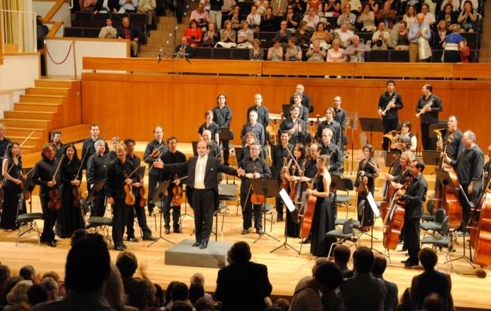 Miguel Ríos, Ana Belén y Luis García Montero firman un manifiesto de apoyo a la Orquesta Ciudad de Granada