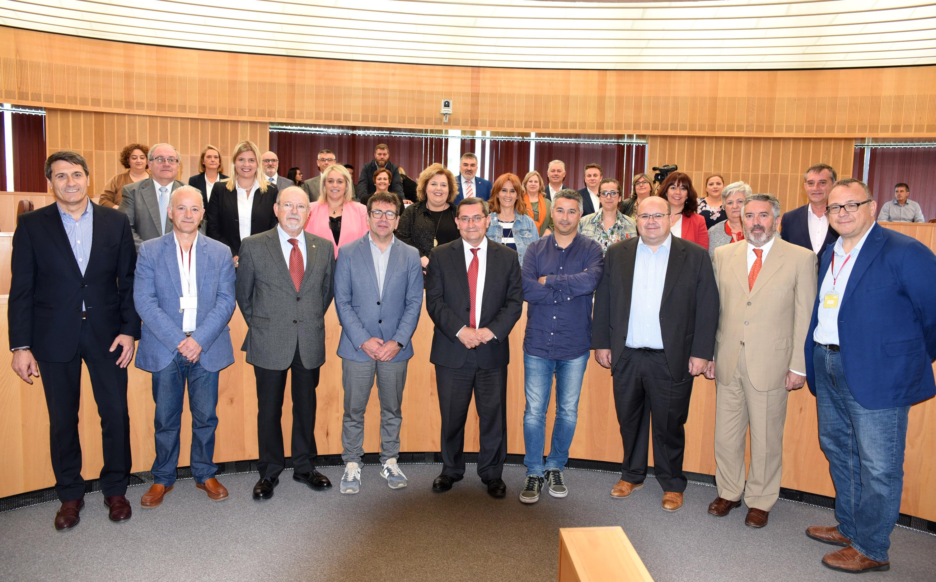 La Diputación pide al Gobierno y a la Junta un plan para llevar la fibra óptica al medio rural