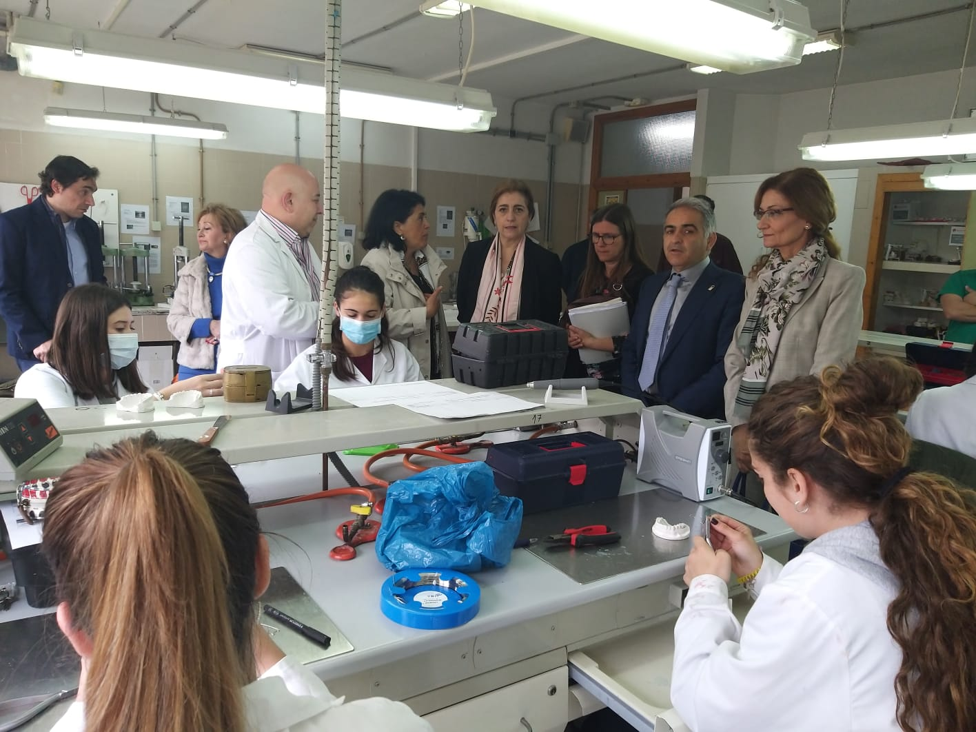 El delegado de Educación y la directora general de Formación profesional visitan los dos centros integrados de FP de Granada