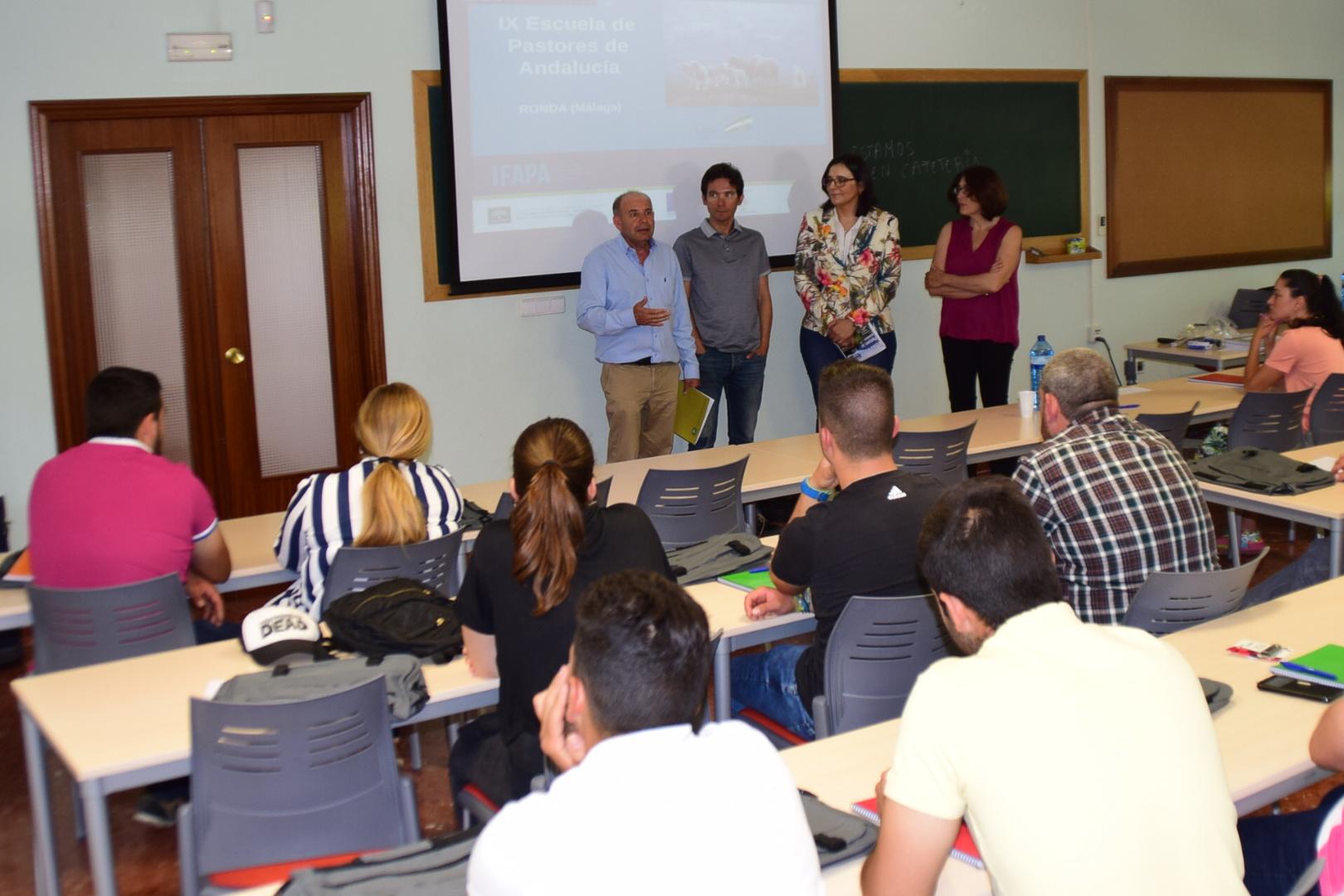 Arranca la 9ª edición de la escuela de pastores de Andalucía