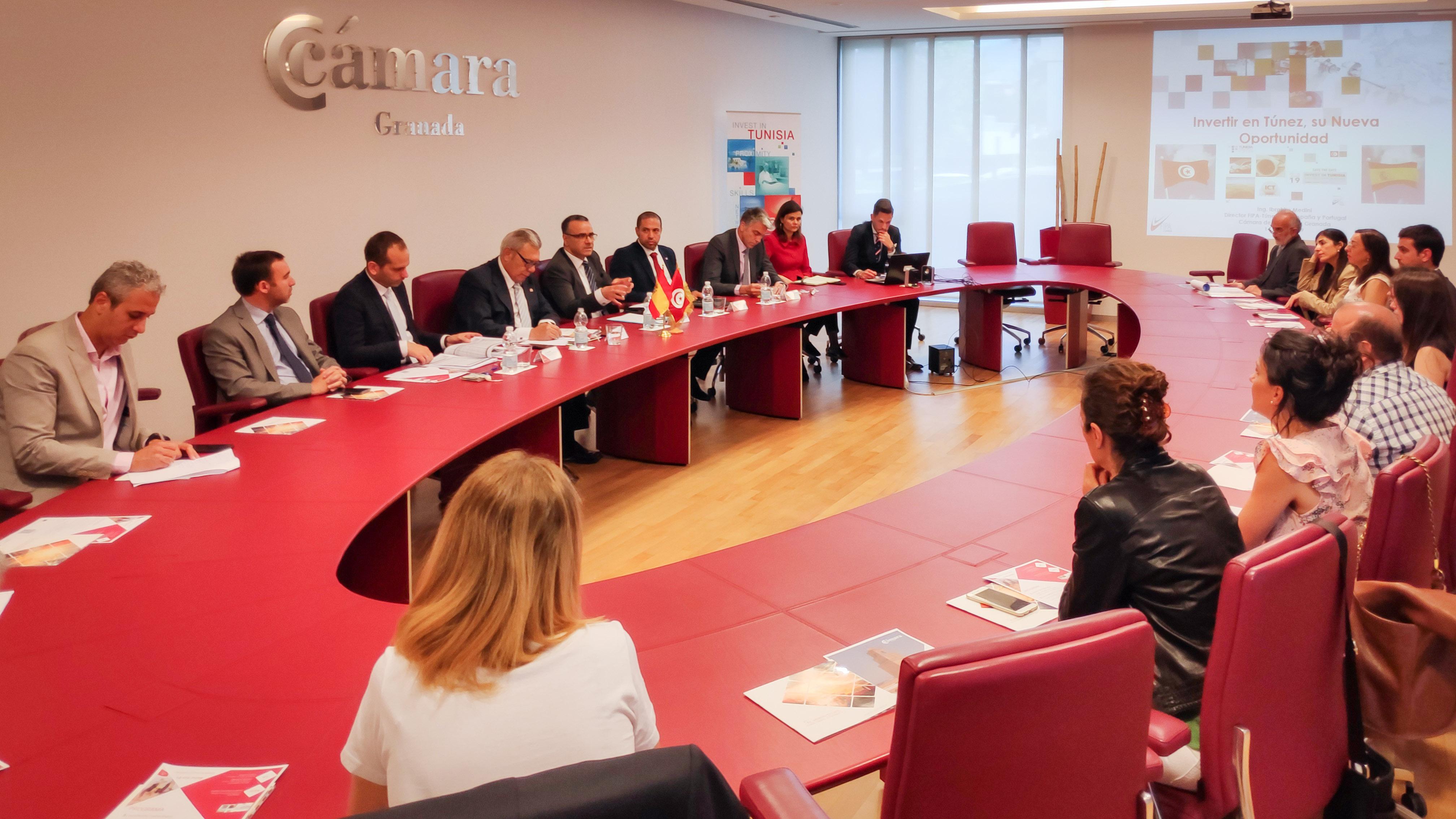 Granada crea lazos comerciales con Túnez