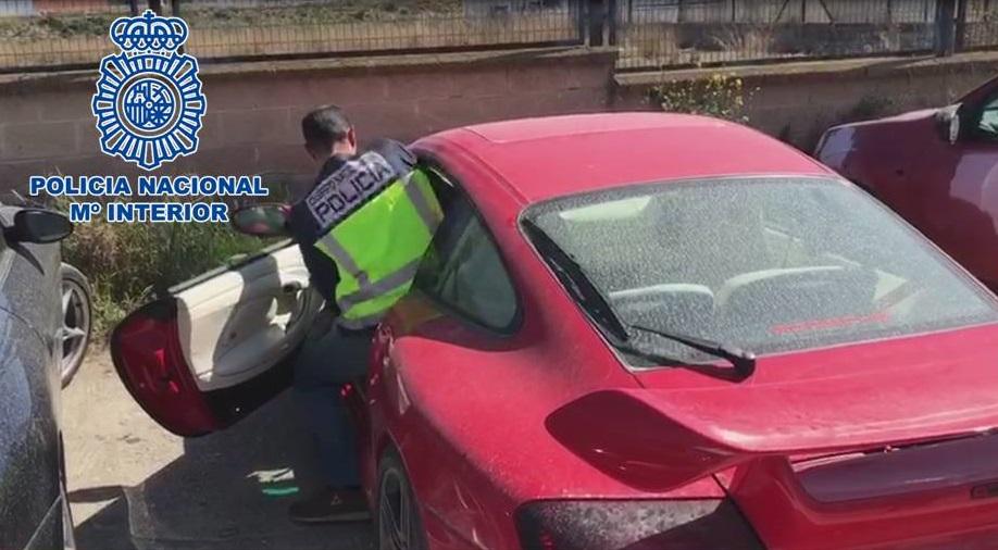 La Policía Nacional detiene a dos individuos por el robo de vehículos de alta gama