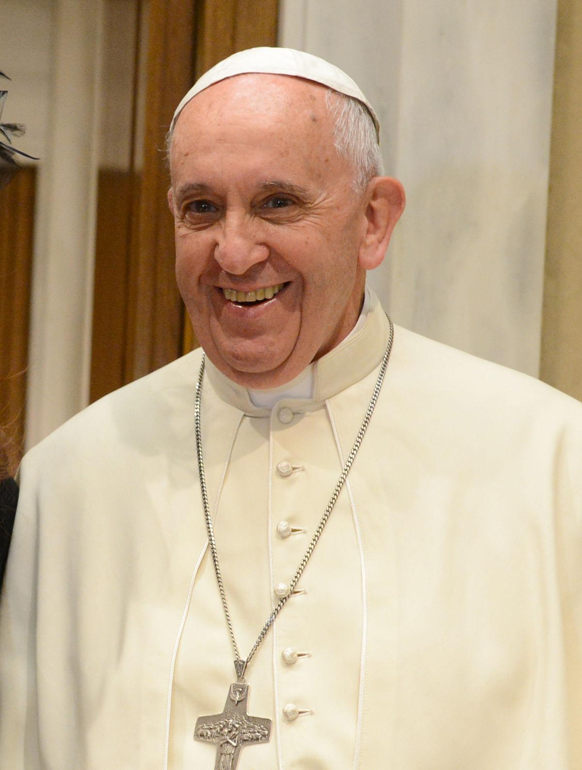 El Papa Francisco critica a la prensa española por informar con prejuicios sobre el «caso romanones»