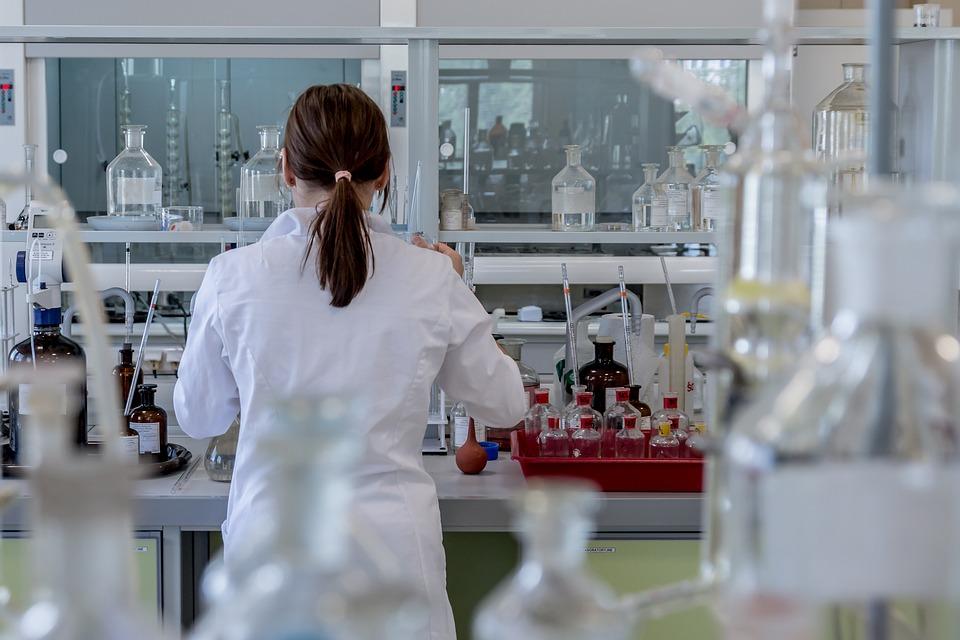 La Junta concede 7,2 millones a la UGR y a otras entidades para contratar a 58 investigadores