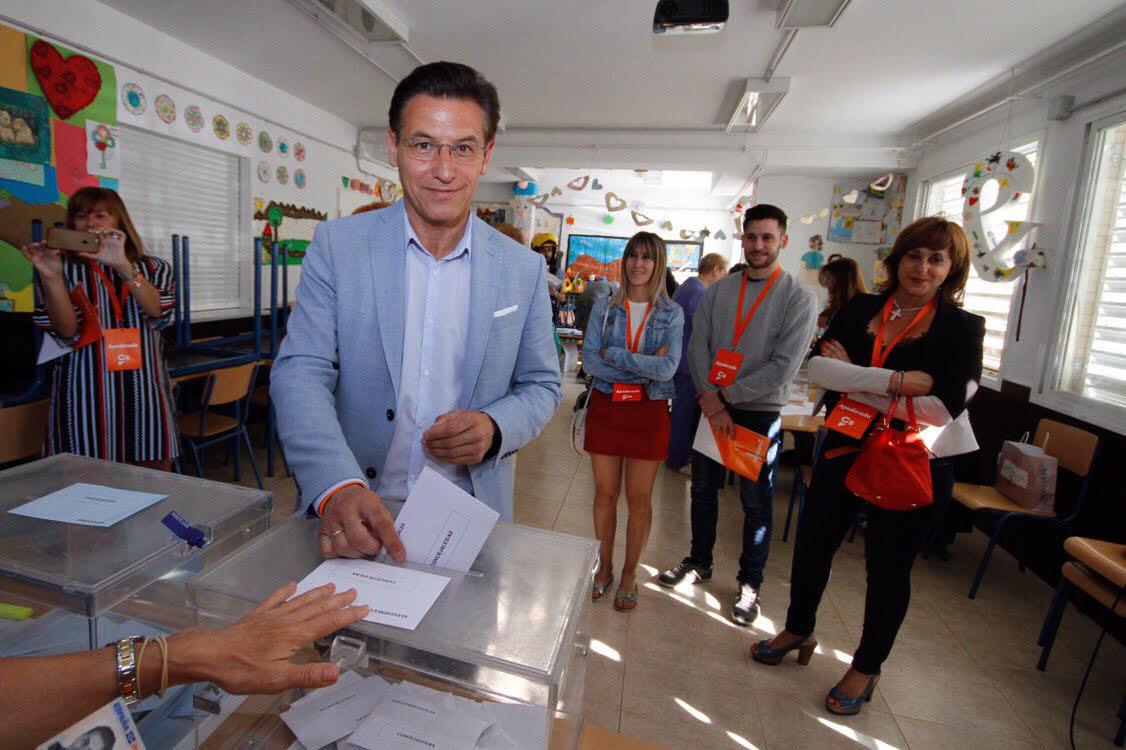 #26M: Luis Salvador llama a votar «para convertir este día en histórico»