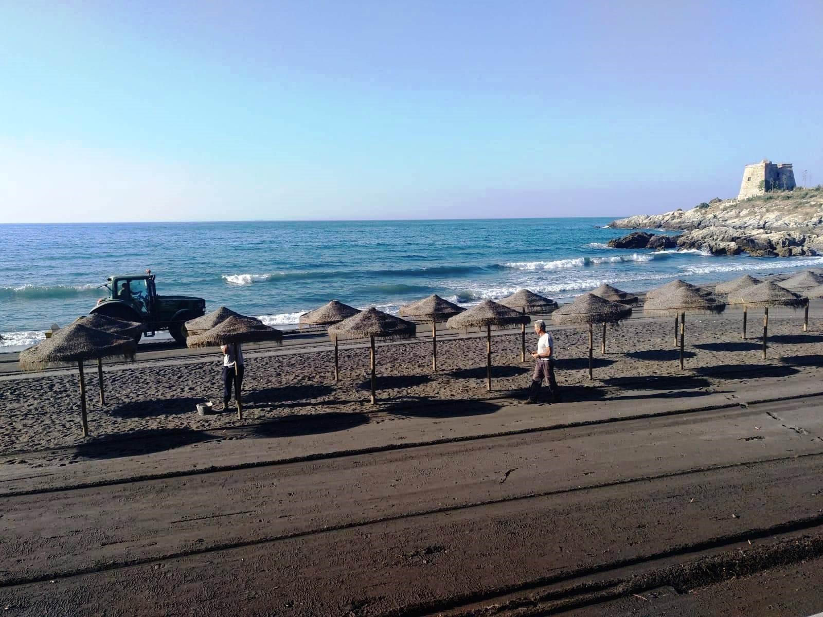 La Costa Tropical cierra sus playas ante la expansión del Coronavirus tras la llegada de nuevos turistas