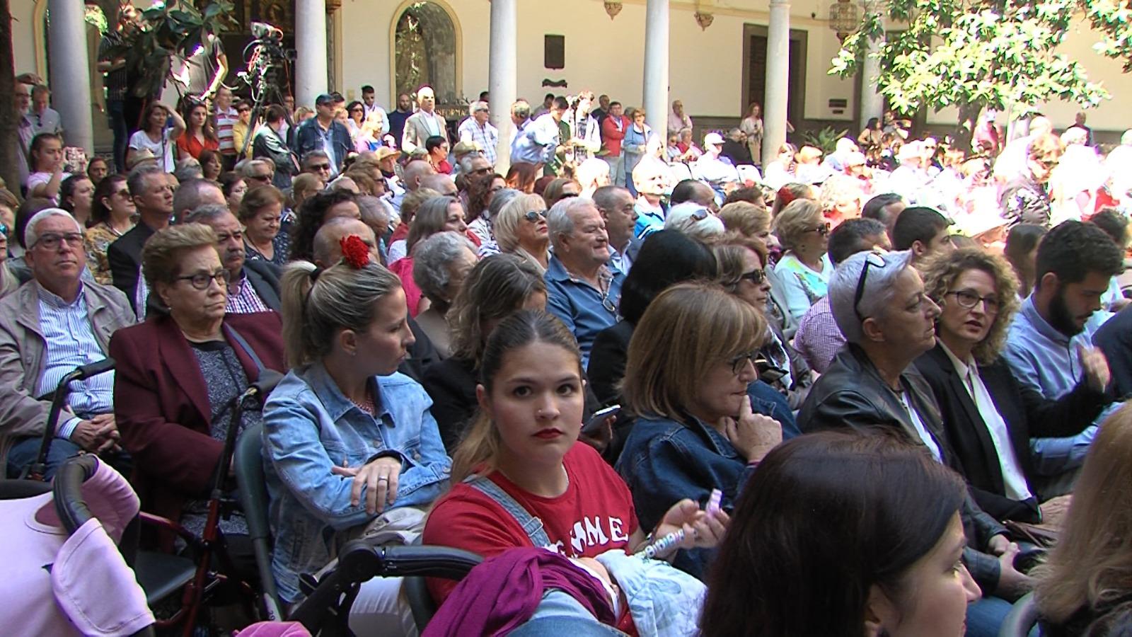 Granada vive su Día de la Cruz