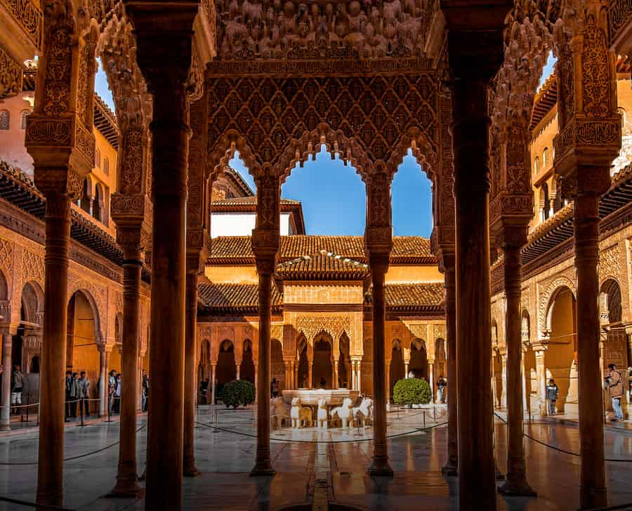 Podemos-IU tilda de «ridículo» que la Alhambra limite la visitas gratuitas escolares