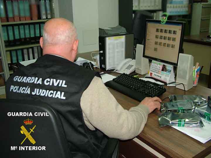 Desarticulan, con 15 detenidos, una red que enviaba droga por vía postal desde Almuñécar a Europa