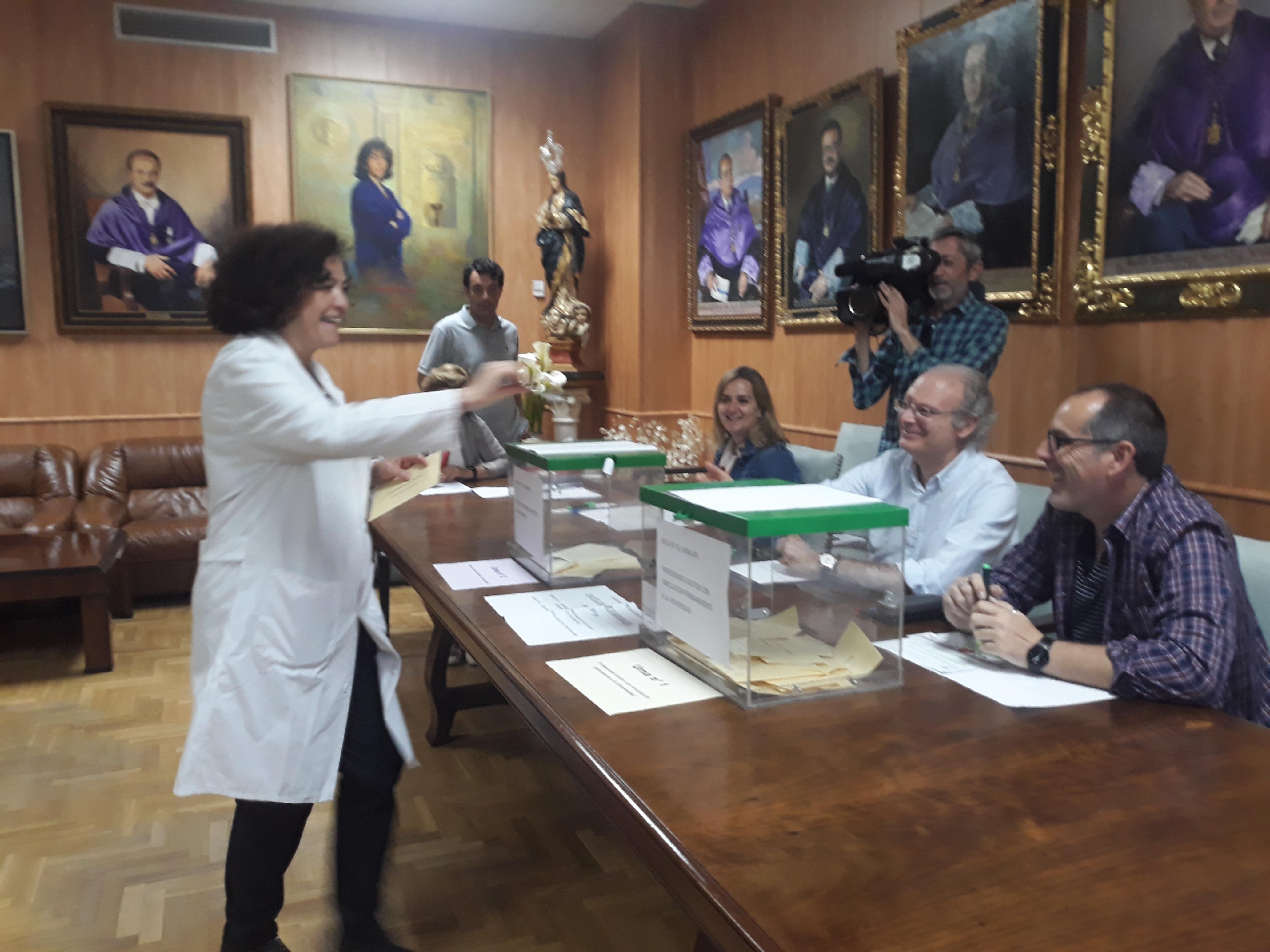 Pilar Aranda se consolidará como rectora de la Universidad de Granada tras unas elecciones sin rivales