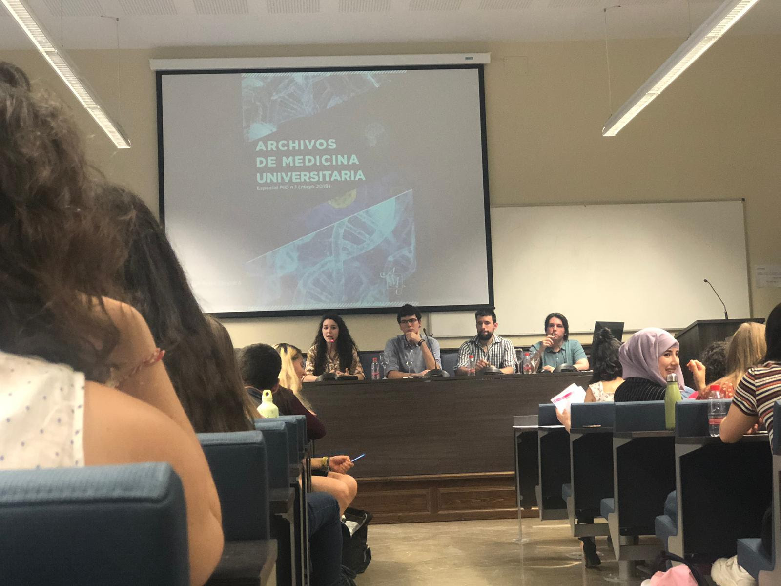 Un centenar de estudiantes de Medicina y Traducción de la UGR participa en un proyecto de divulgación científica