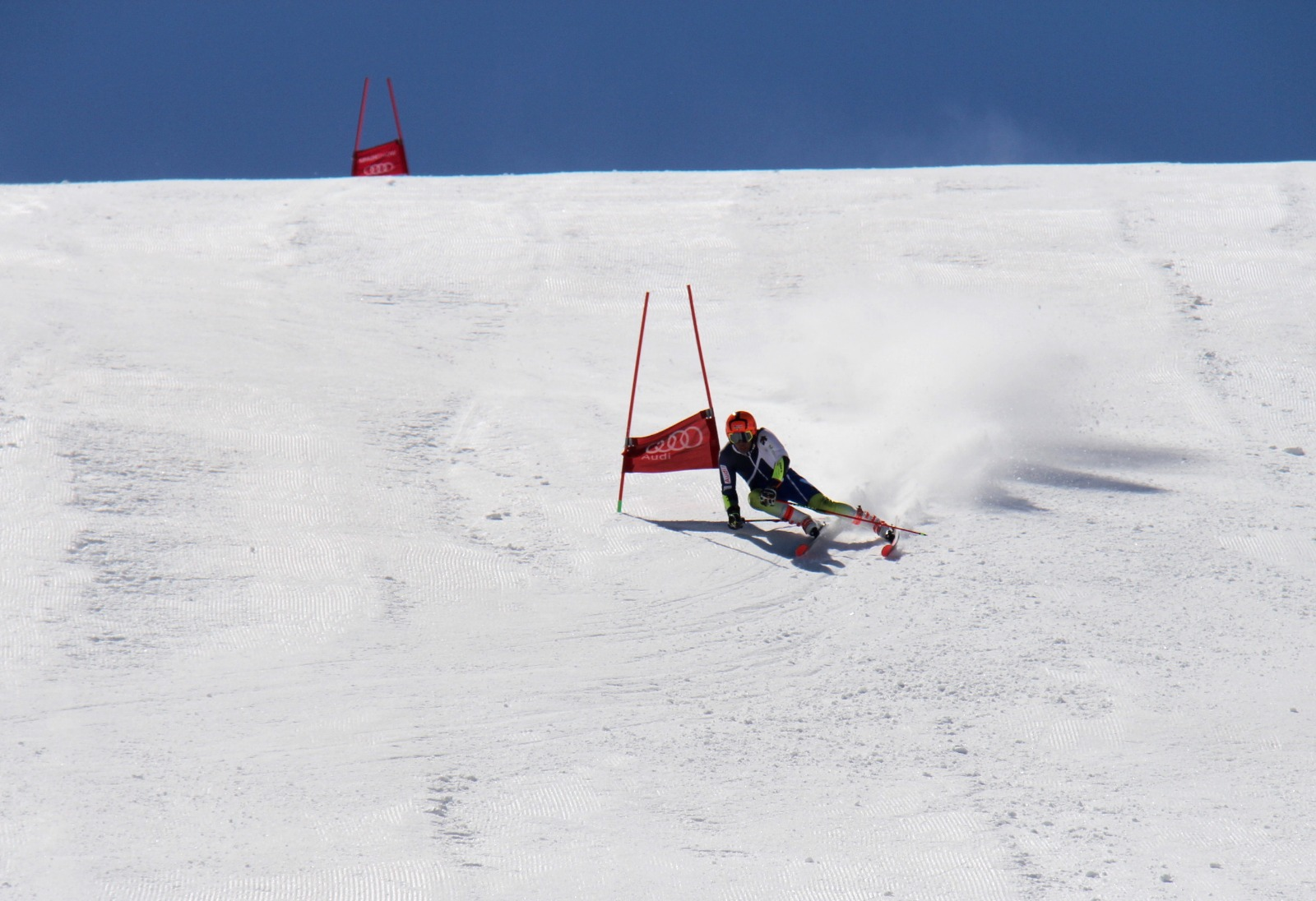 4.500 esquiadores despiden la temporada en Sierra Nevada