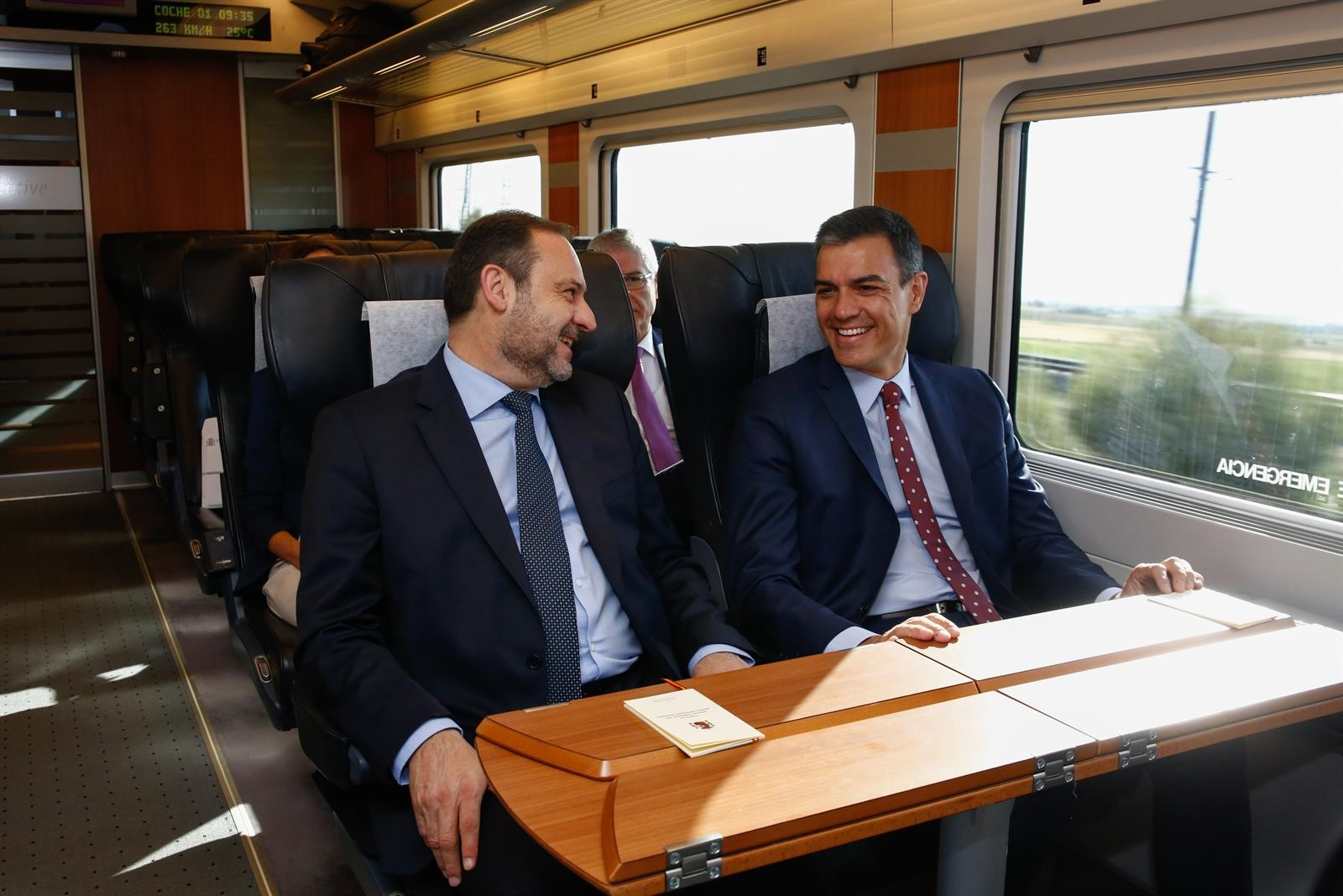 Ábalos: «Granada vuelve al mapa ferroviario tras años de paciencia y 1.675 millones de inversión»