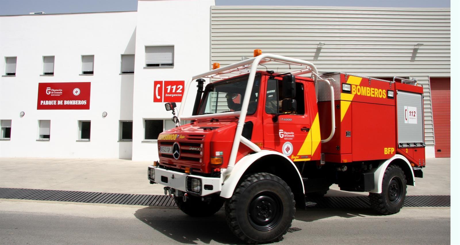 Los bomberos de Granada asesoran a residencias y centros de asistencias para mejorar la seguridad y evitar contagios