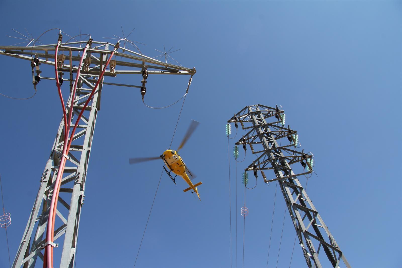 Endesa trabaja en agilizar proyectos para mejorar la red en la zona norte y regularizar contratos