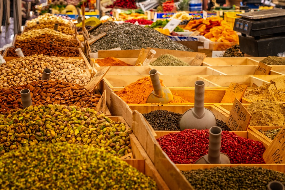 Comerciantes andaluces valoran la ampliación de horarios, «algo necesario» para un sector «al límite»
