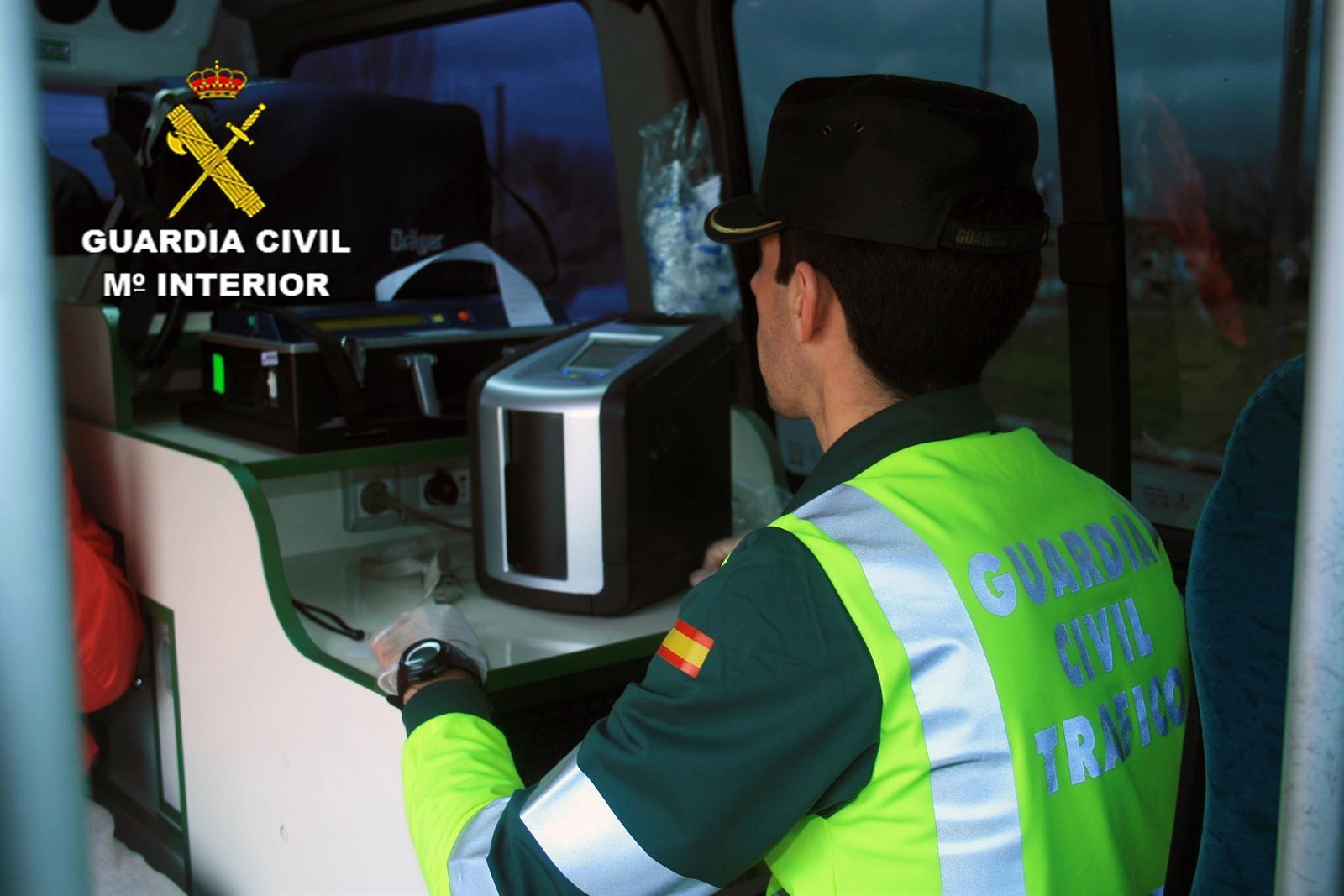 Investigado un camionero de Almuñécar por circular sextuplicando la tasa de alcoholemia permitida