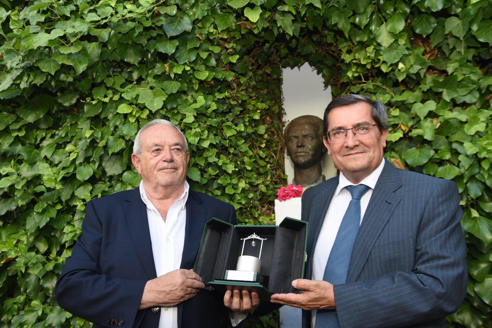 Antonio Ramos Espejo recibe el Pozo de Plata honorífico por sus trabajos sobre Lorca