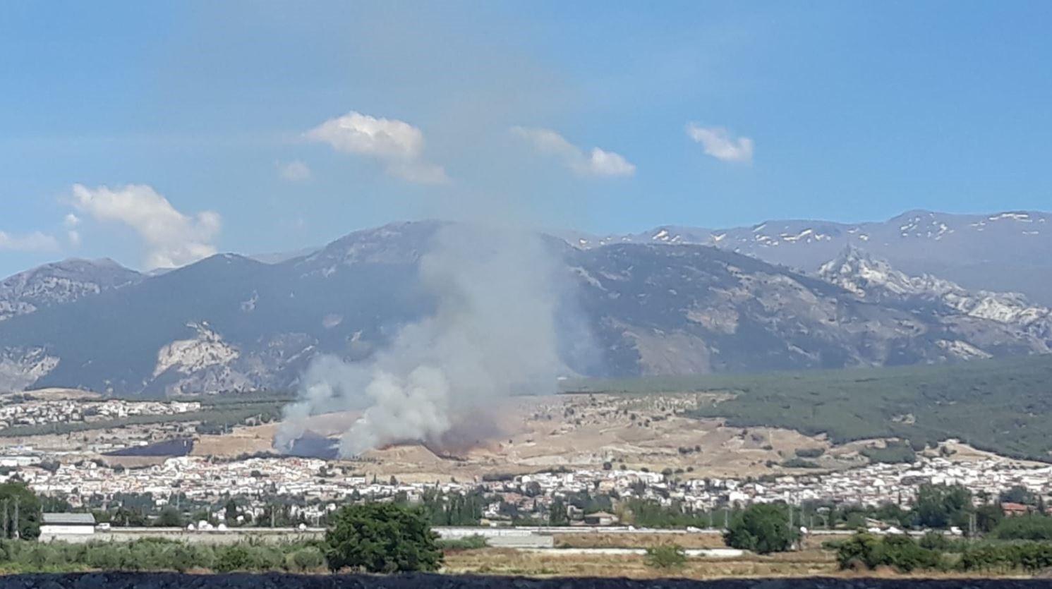 Extinguido el incendio forestal declarado el viernes en Cájar