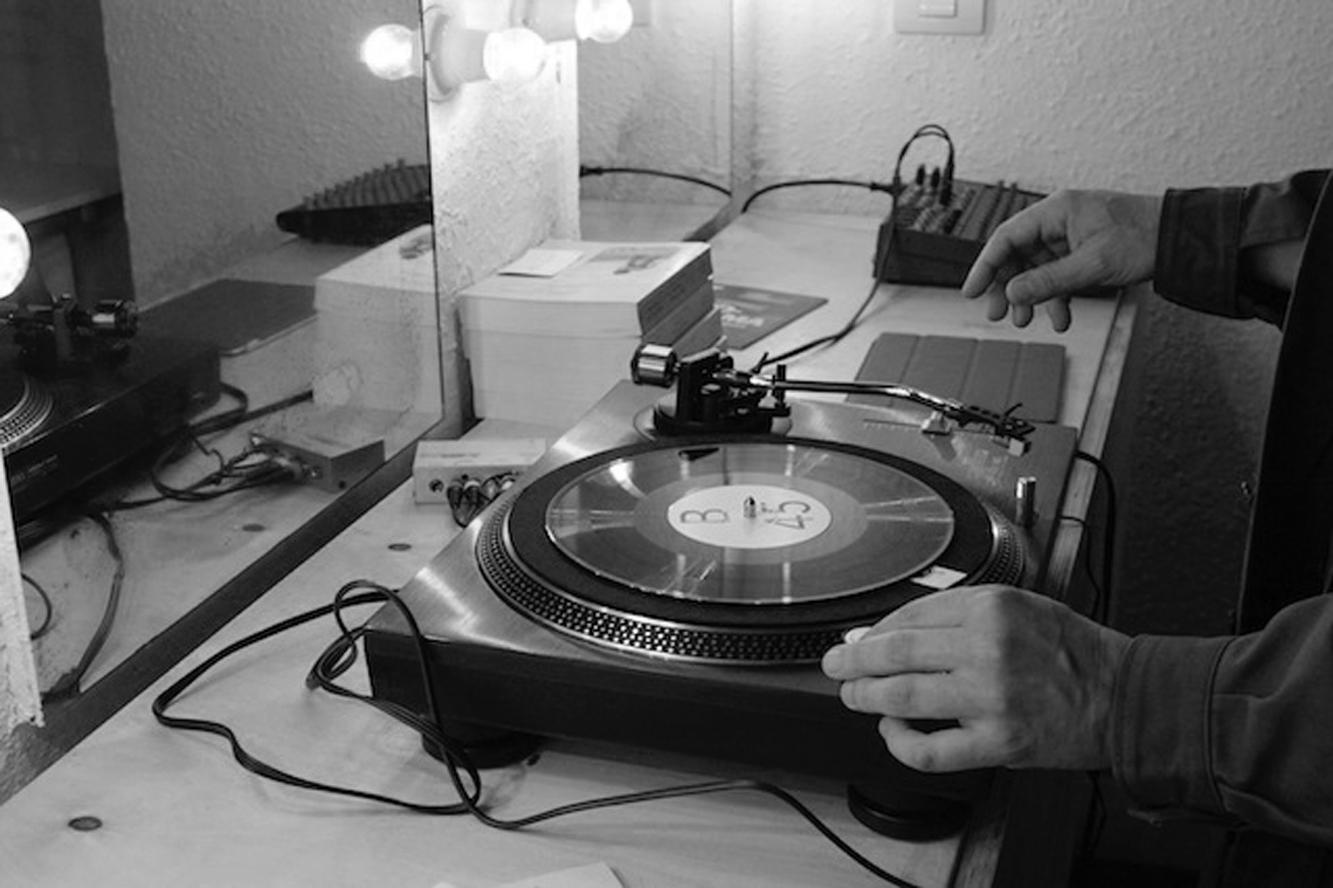 El Centro Guerrero experimenta con la música, el vinilo y el registro sonoro