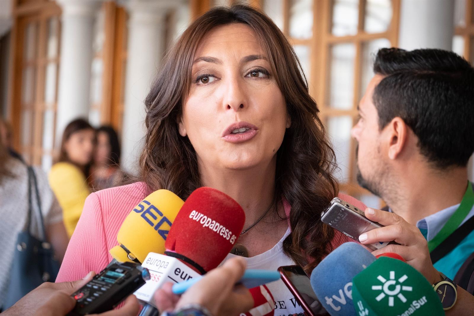 Loles López: «si Vox decidiera dar la alcaldía al PSOE, con un alcalde imputado, tendría que explicarlo»