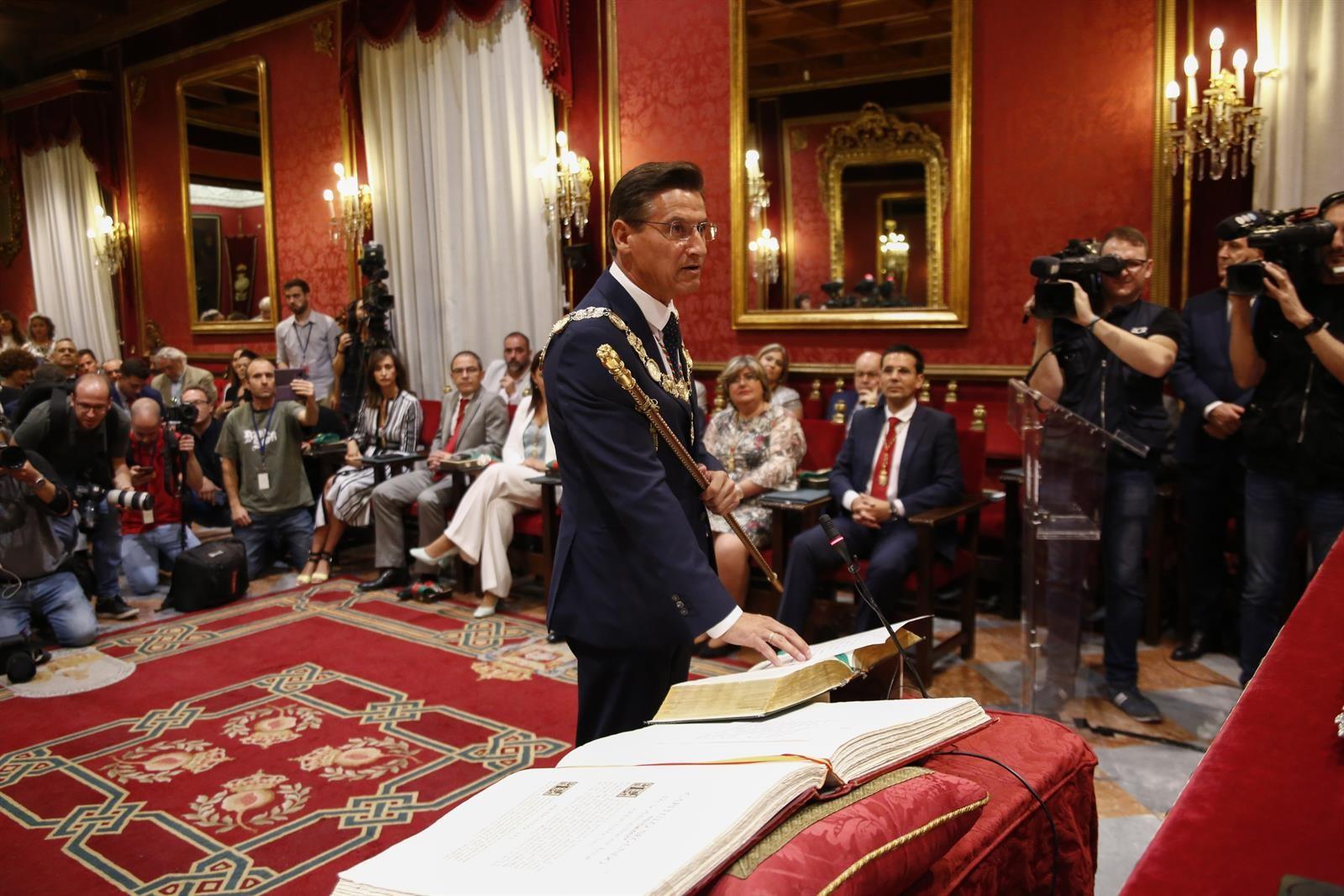 Así se han repartido las concejalías del Ayuntamiento de Granada