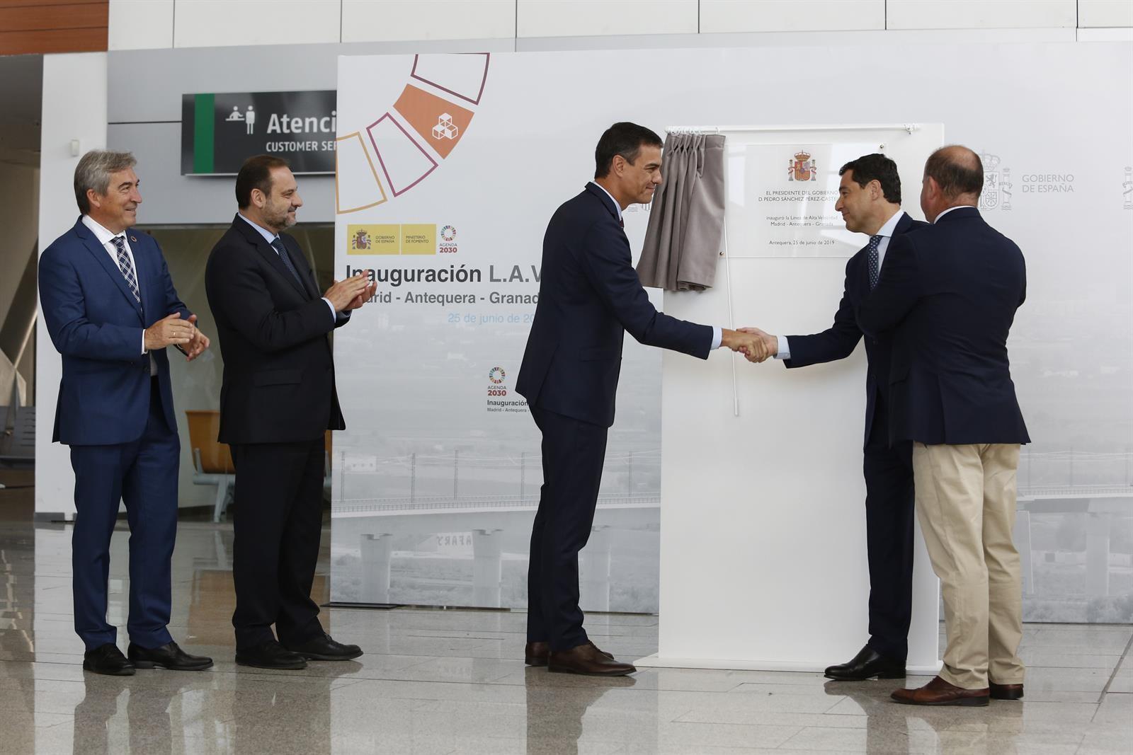 Moreno destaca el potencial del AVE para impulsar a Andalucía como «locomotora económica» de España