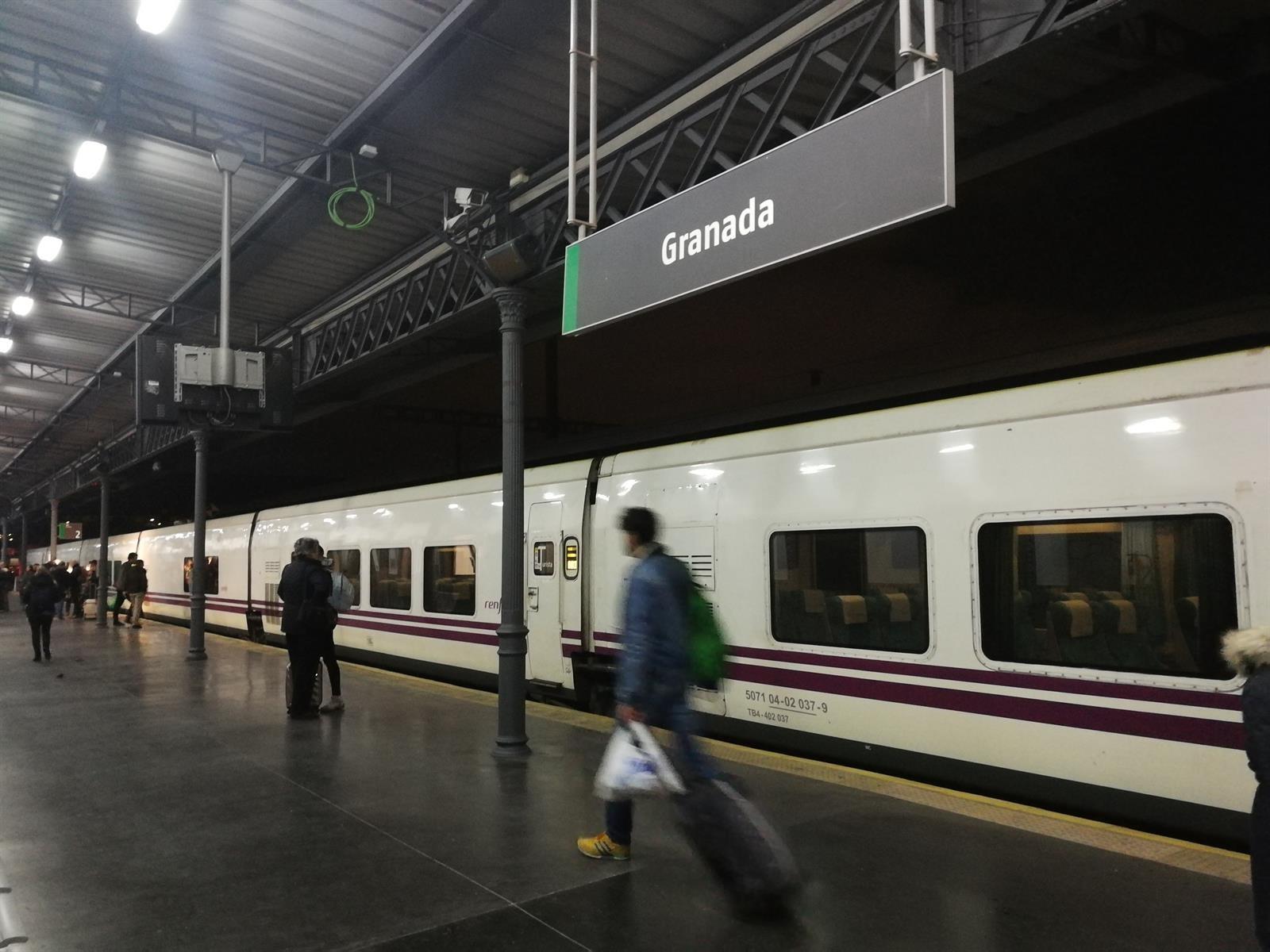 El Talgo Madrid-Granada acumula 38 minutos de retraso por una avería