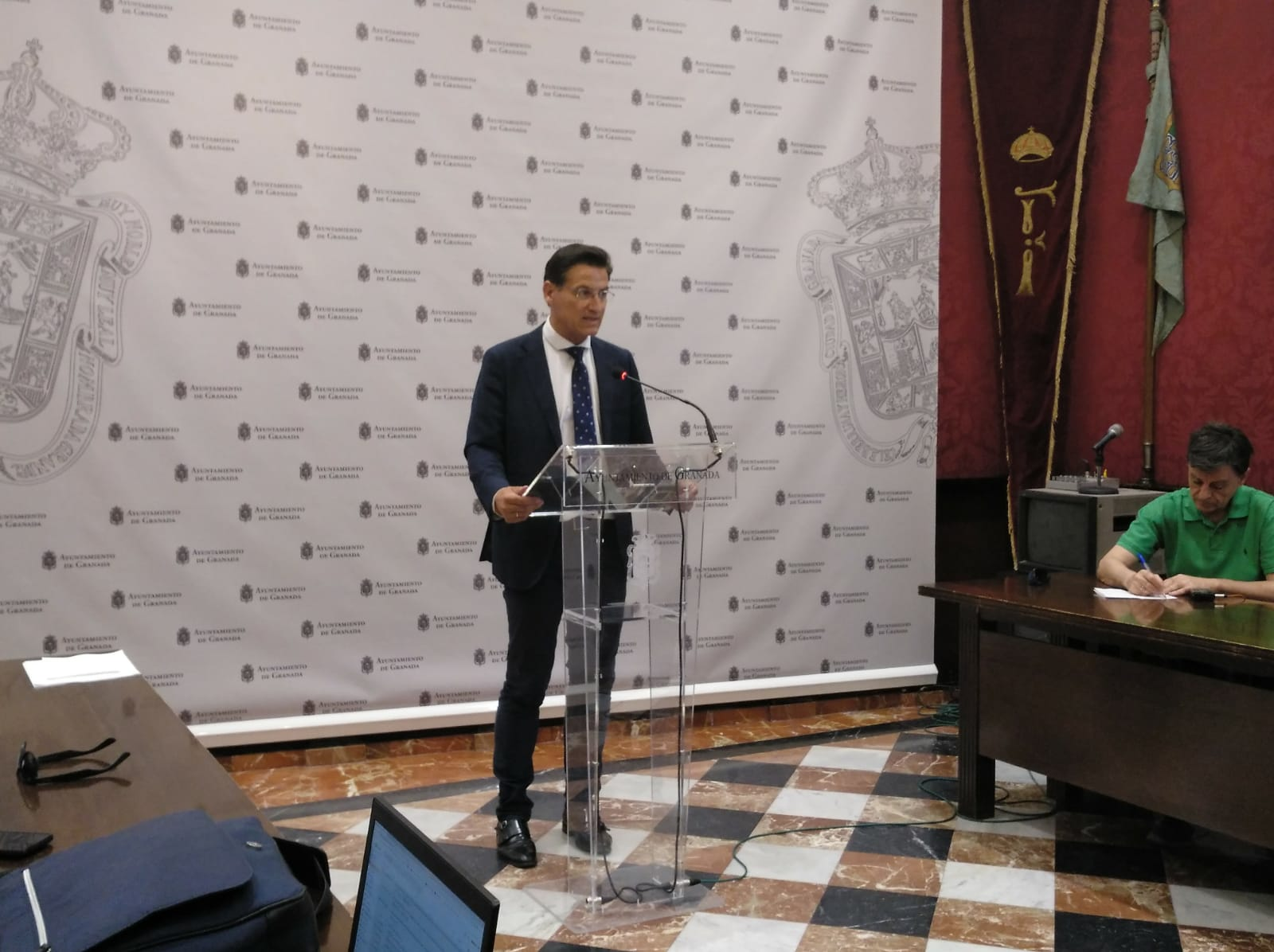 El Ayuntamiento de Granada pide una reunión con Subdelegación para tratar la inseguridad en el Albaicín