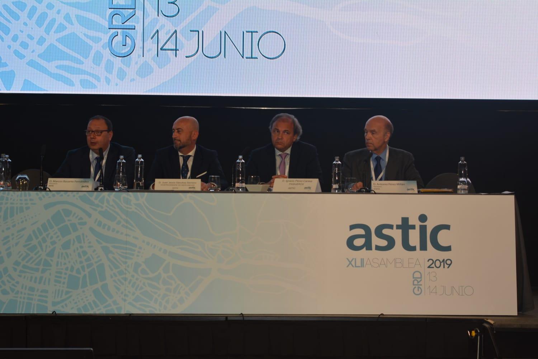 La patronal del transporte resalta el liderazgo de España en el transporte internacional por carretera