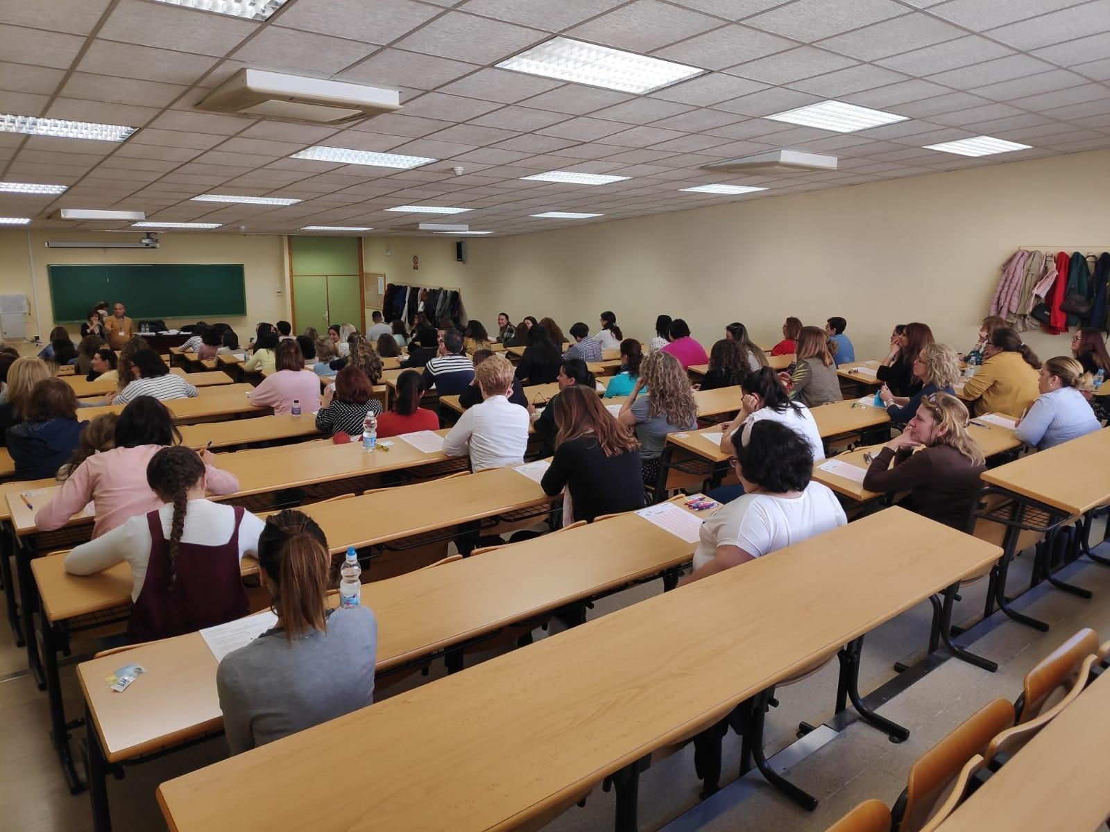 Más de 1300 personas se examinan mañana en Granada para obtener el título de Bachiller o Graduado en ESO