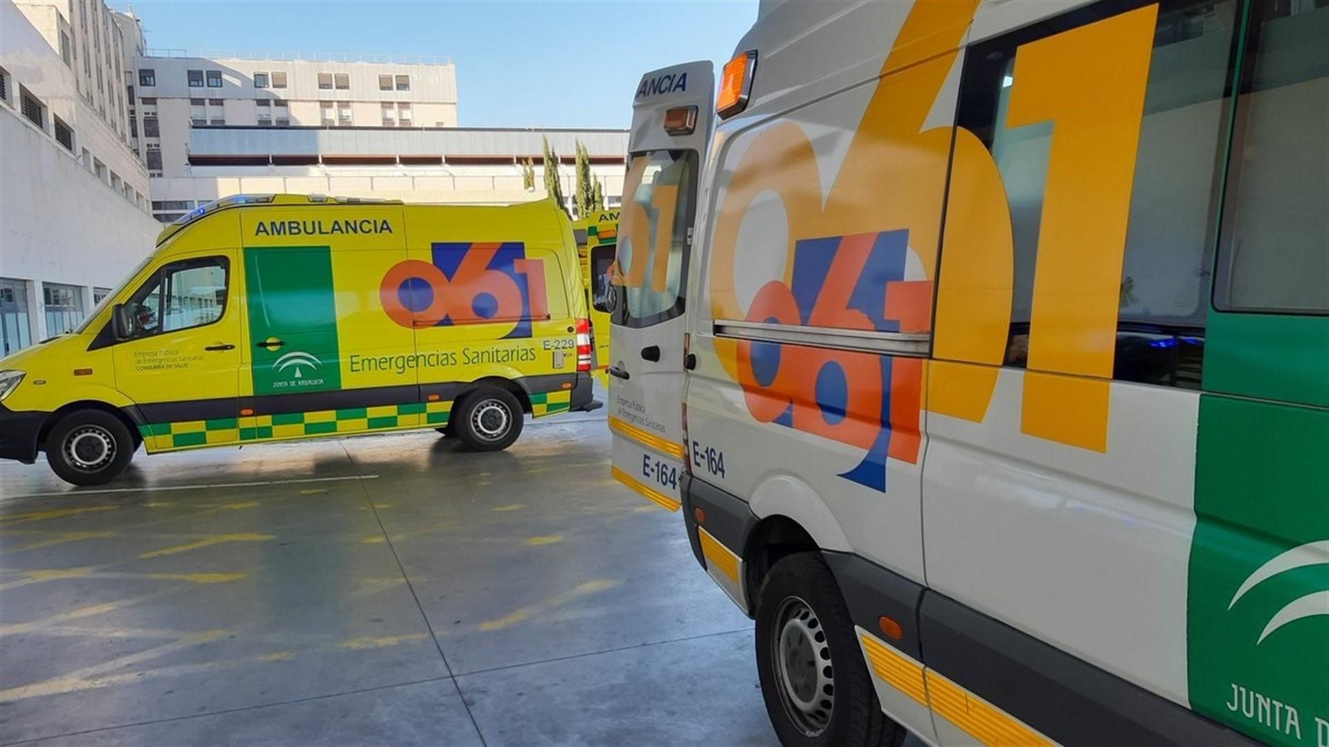 Las nuevas camillas de las ambulancias del 061 son inadecuadas y generan riesgo para los pacientes y trabajadores
