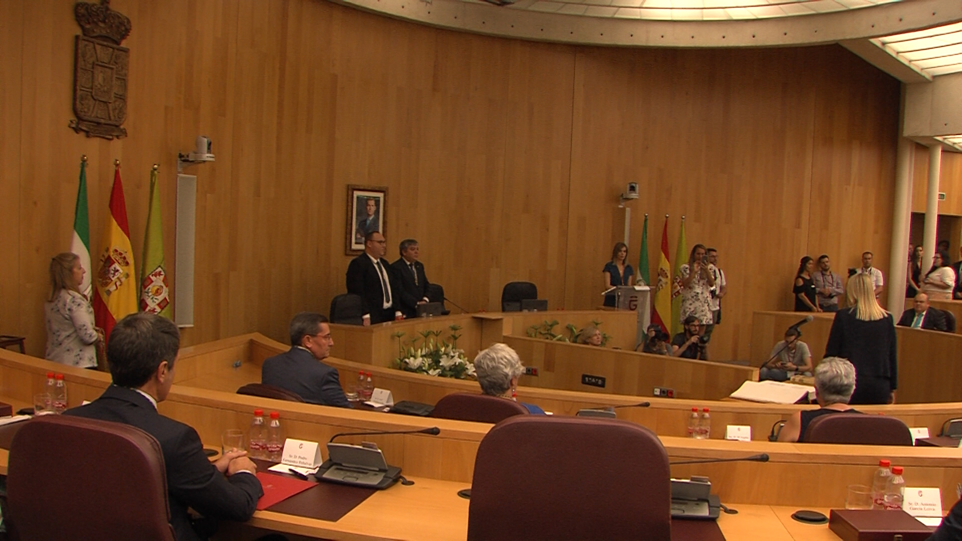 La Diputación comienza su XI mandato con Entrena al frente con mayoría absoluta