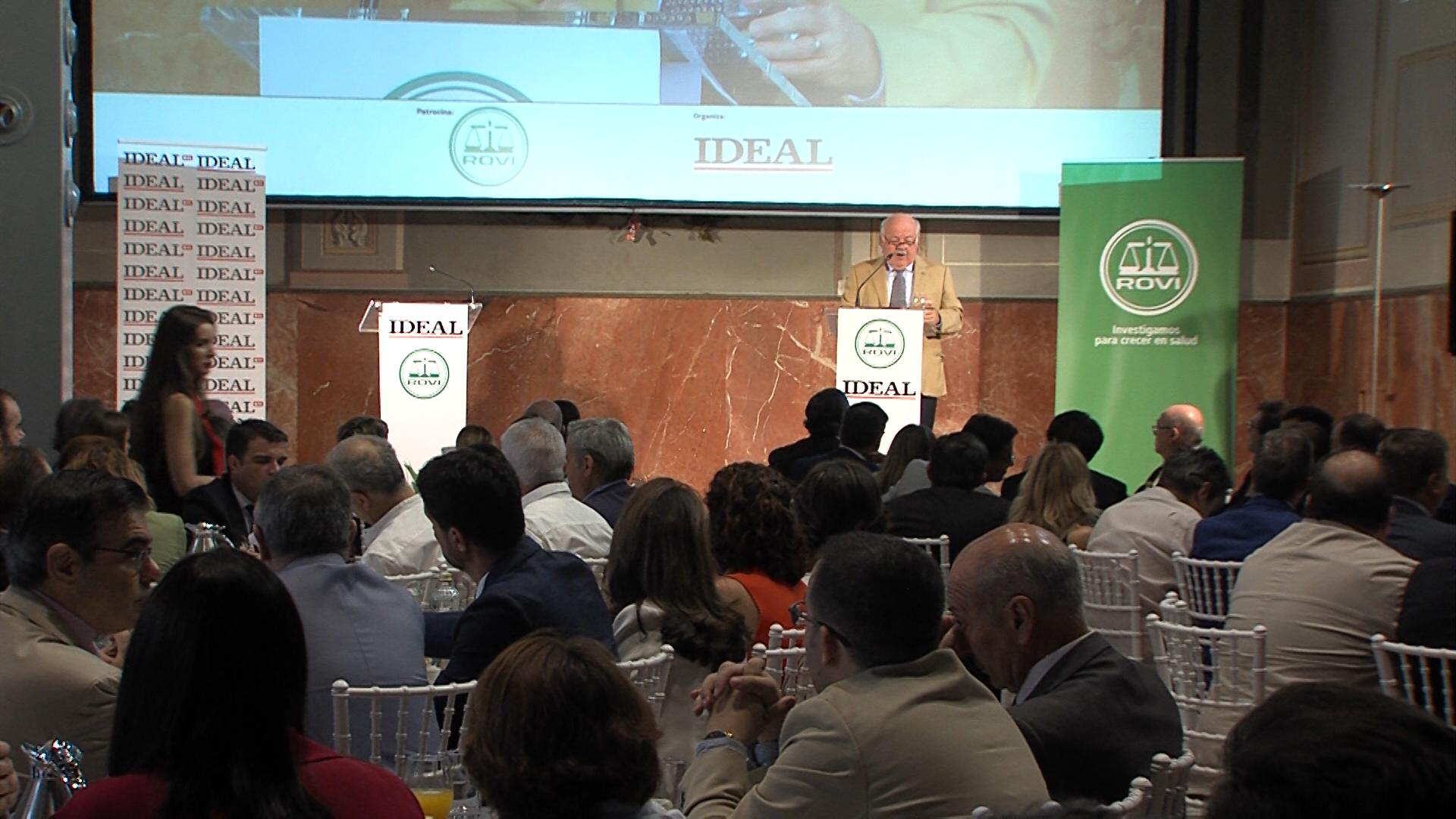 Aguirre «desvela» los presupuestos autonómicos y centra el modelo sanitario en la atención de pacientes en el hogar